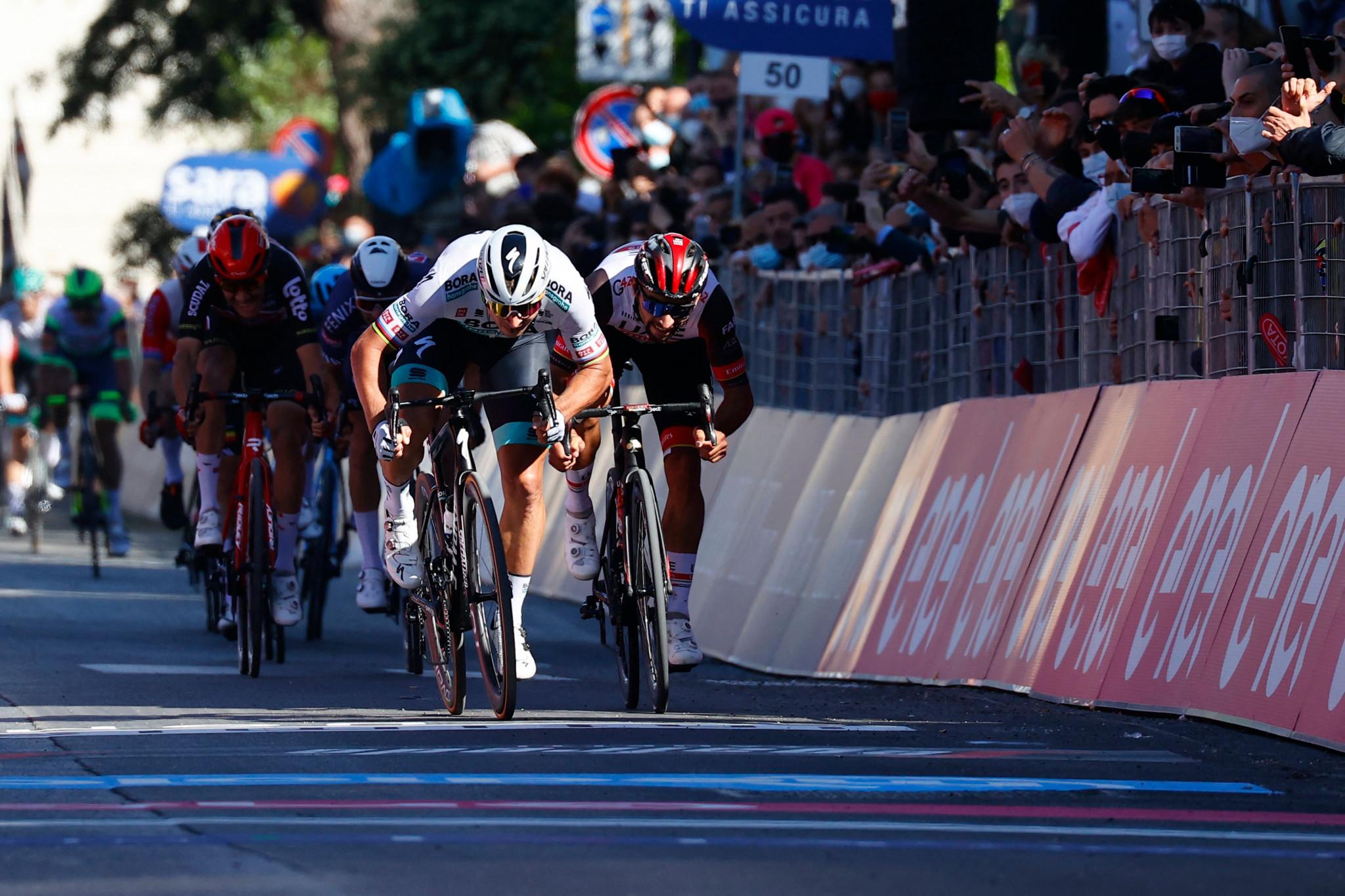 Sagan secures sprint win on stage 10 of Giro d'Italia to reward team's hard work