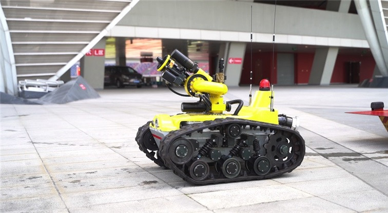Firefighting robots were used as part of the drills conducted by Hangzhou Fire and Rescue Brigade in preparation for the 2022 Asian Games ©Hangzhou 2022