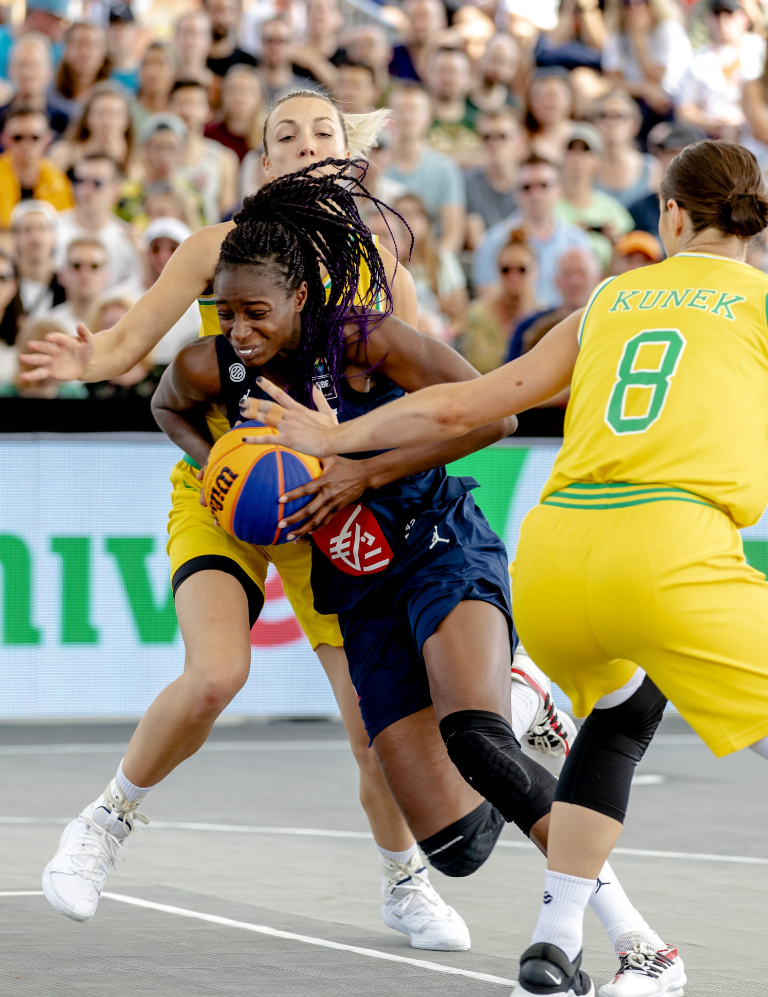 Top seeds struggle on day of surprises as first quarter-finalists confirmed at 3x3 basketball Olympic qualifier