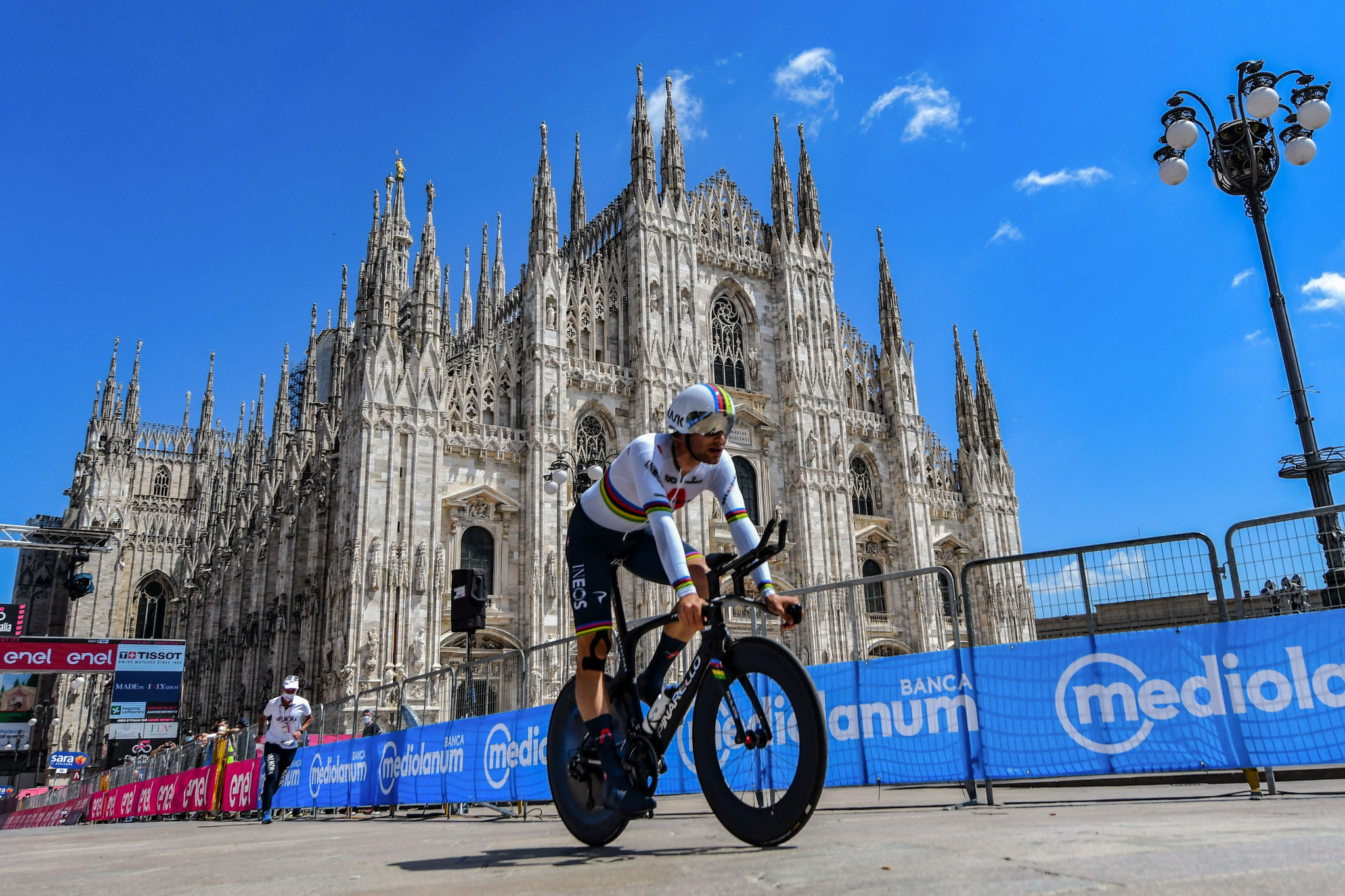 Filippo Ganna overcame a bike change to win the final stage in Milan ©Getty Images