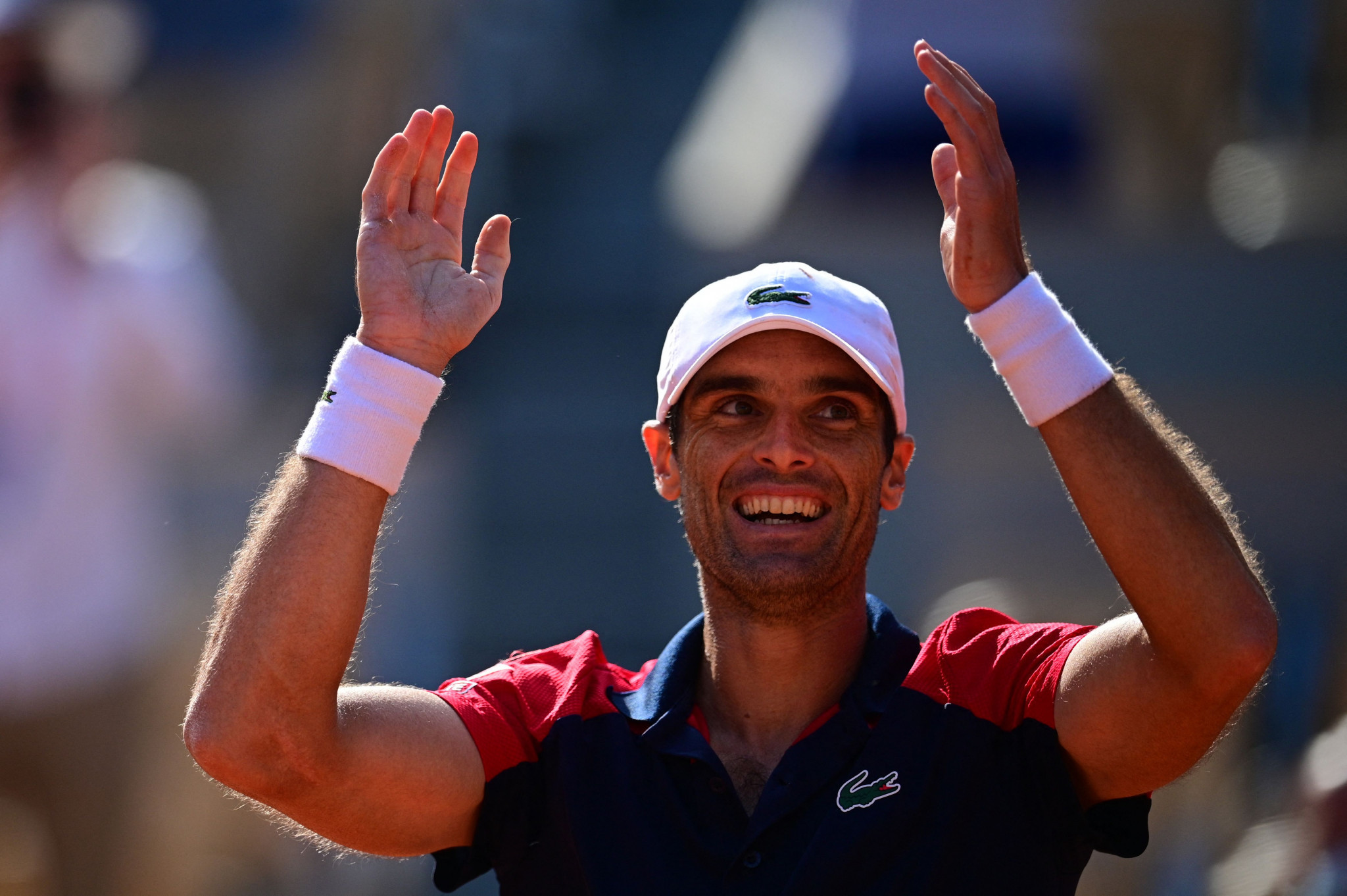 Pablo Andujar celebrates after coming from two sets down to beat Dominic Thiem ©Getty Images