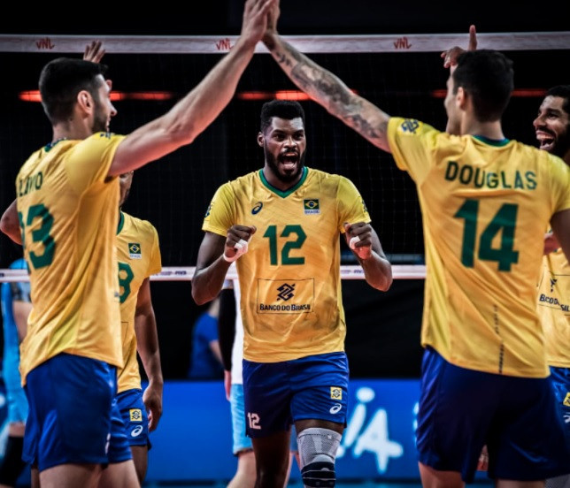 Brazil are one of three unbeaten teams following three matches in the men's Volleyball Nations League competition ©Volleyball World