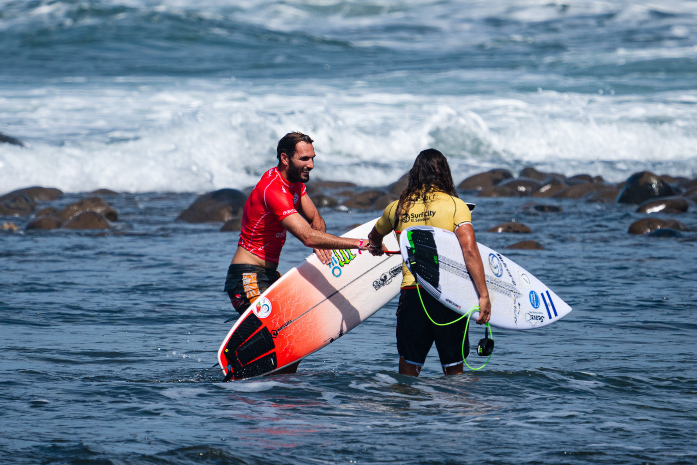 Frederico Morais of Portugal was among the winners of the men's main round heats at the World Surfing Games ©ISA/Ben Reed
