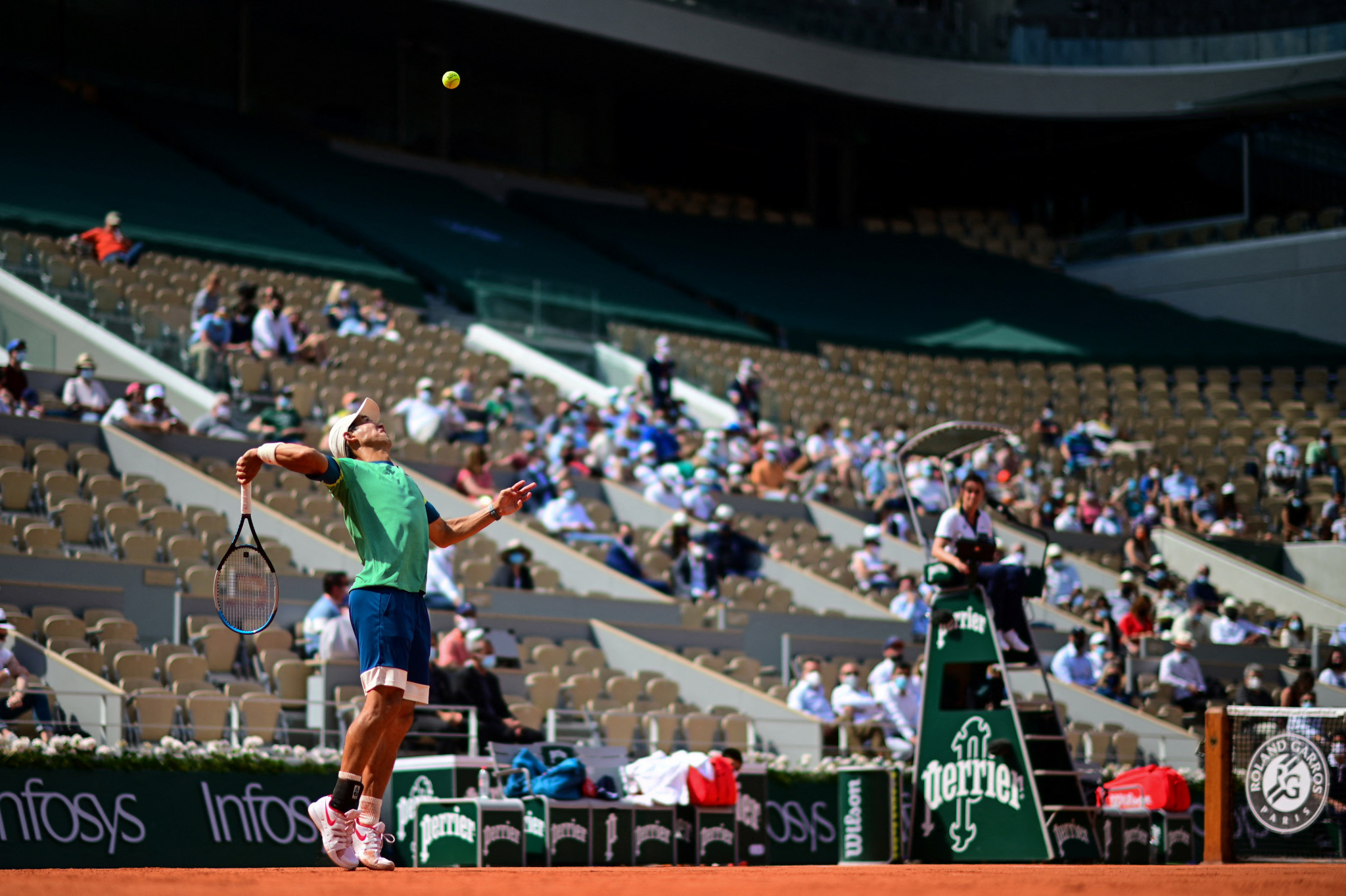A sparse crowd watch the action as Nishikori and Khachanov go toe-to-toe on Philippe-Chatrier ©Getty Images