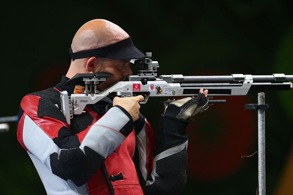 Olsen takes his turn for gold in 300m rifle 3 positions at European Shooting Championships