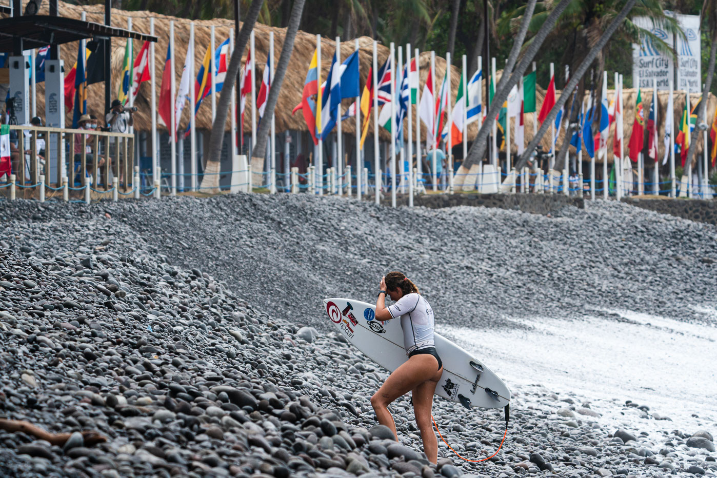 Main event and repechage action took place on the fifth day of competition at Surf City in El Salvador ©ISA/Sean Evans