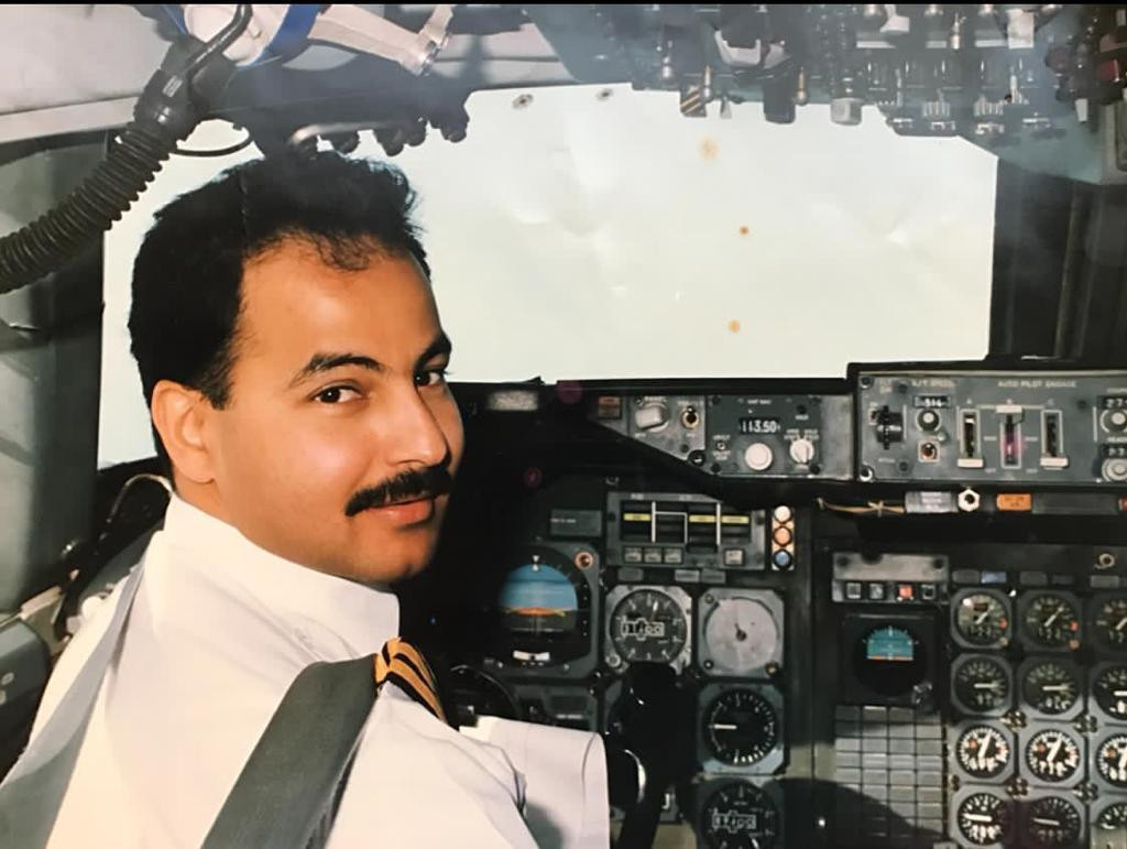 FINA's new President Husain Al-Masallam during his days as an airline pilot, when, he revealed to the General Congress, he was once involved in nine hours of on-board negotiation with armed hijackers who had stormed his plane at Beirut Airport ©FINA
