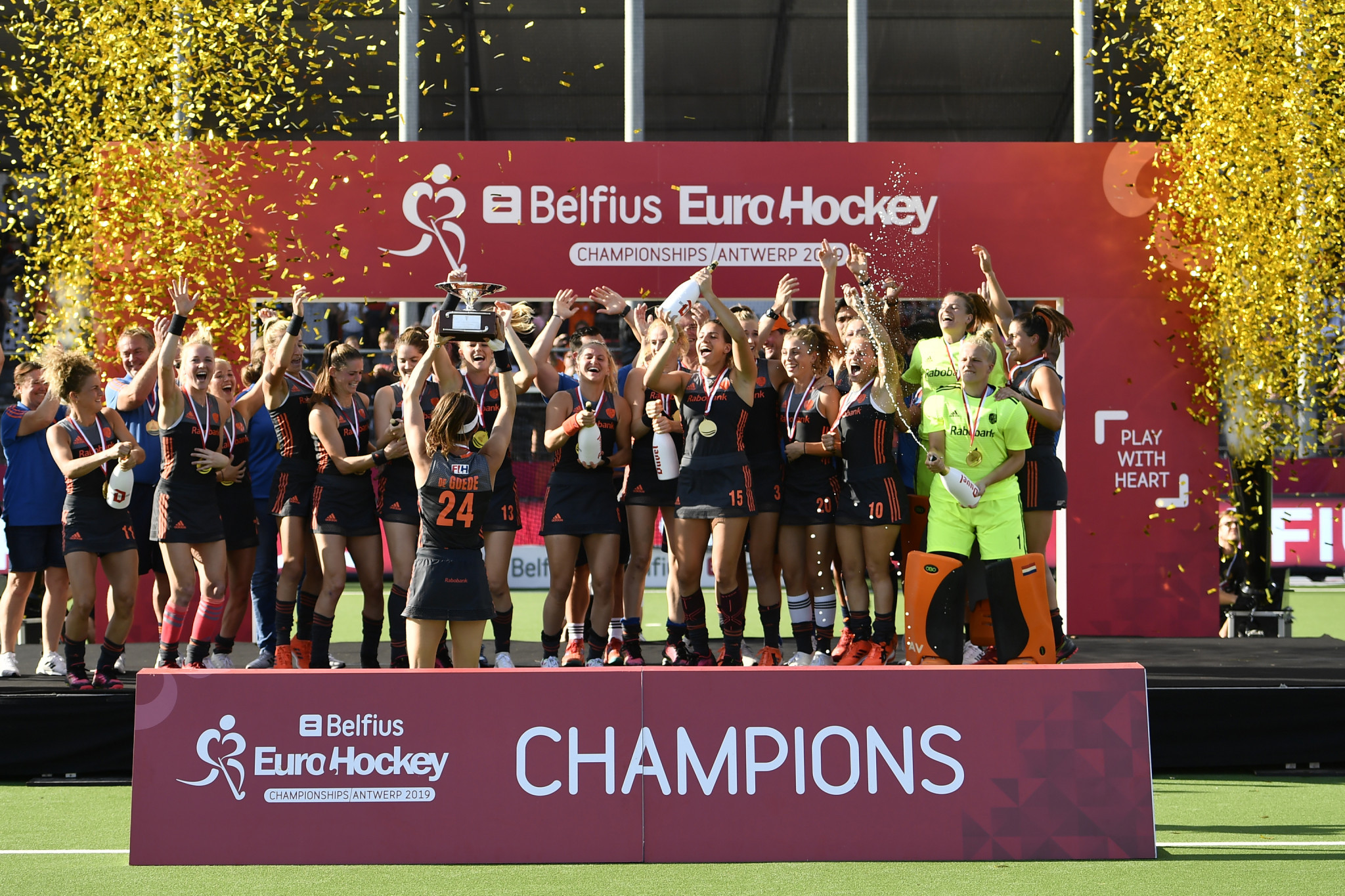 Defending champions Netherlands serve notice of intent with 7-1 beating of Spain at EuroHockey Championships
