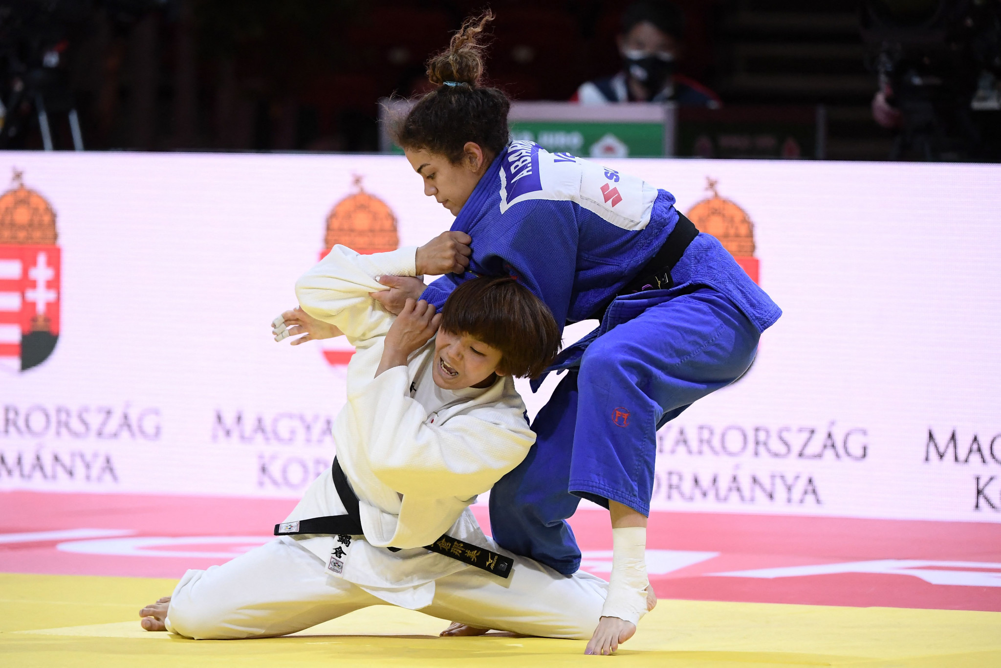 Nami Nabekura, in white, struggles against Venezuelan judoka Anriquelis Barrios as the Japanese second seed suffered an early exit ©Getty Images