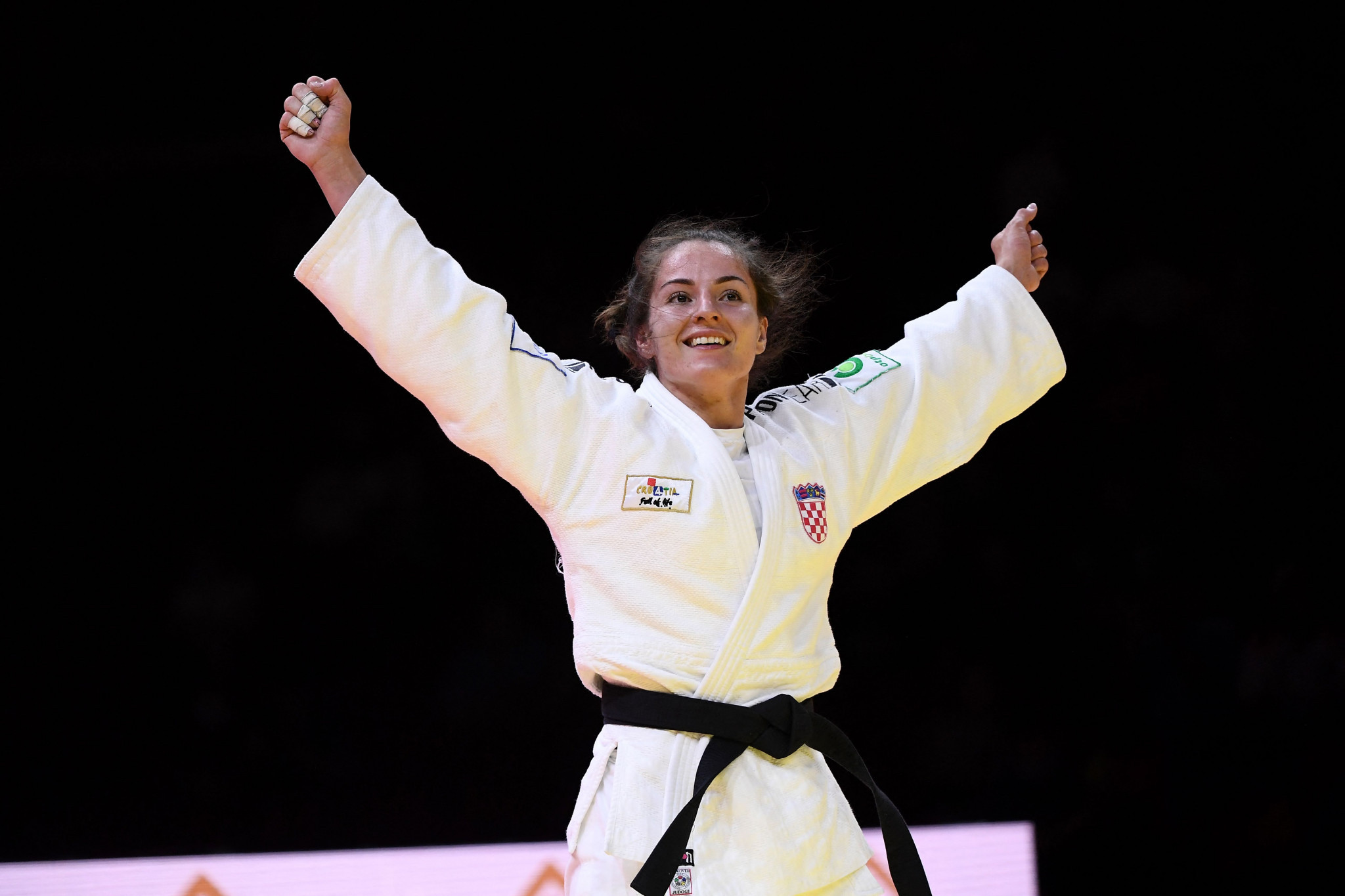 Barbara Matić saw off Yoko Ono in the women's under-70kg final ©Getty Images