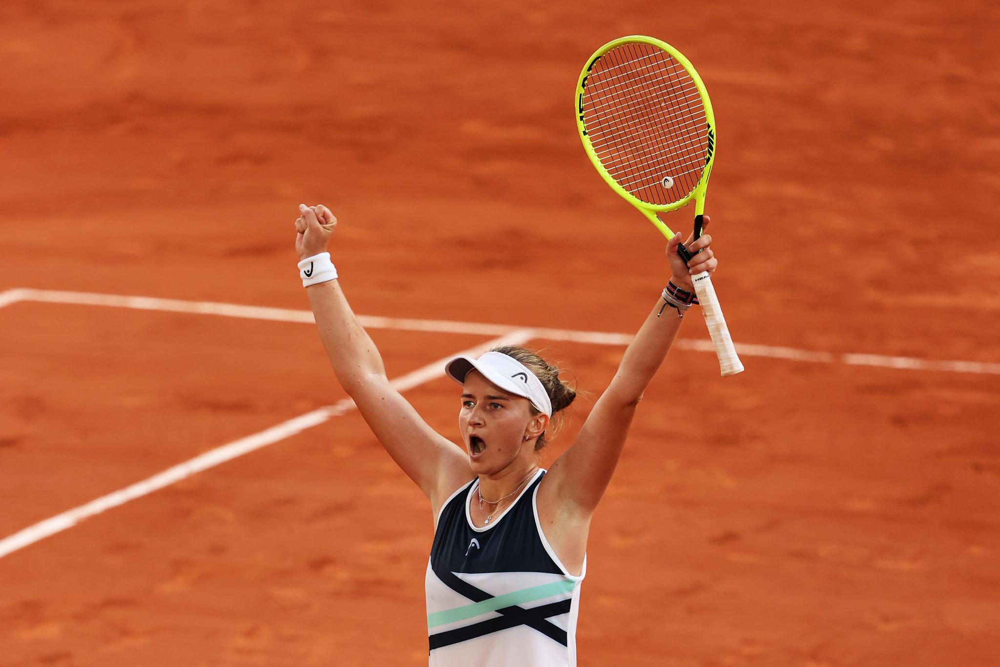 Krejčíková and Pavlyuchenkova set up unlikely French Open final