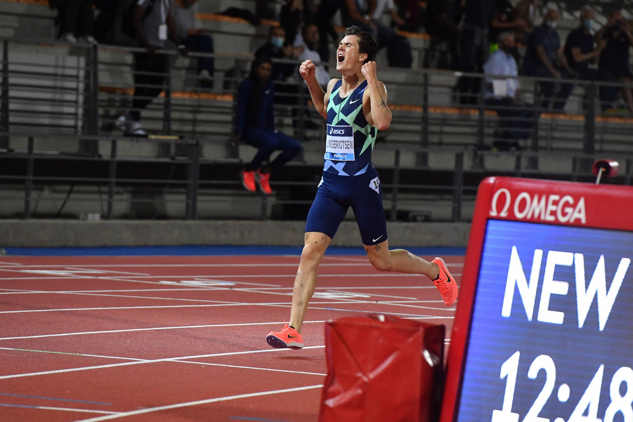 Ingebrigtsen sets European 5,000m record in defeating Cheptegei at Diamond League meeting in Florence