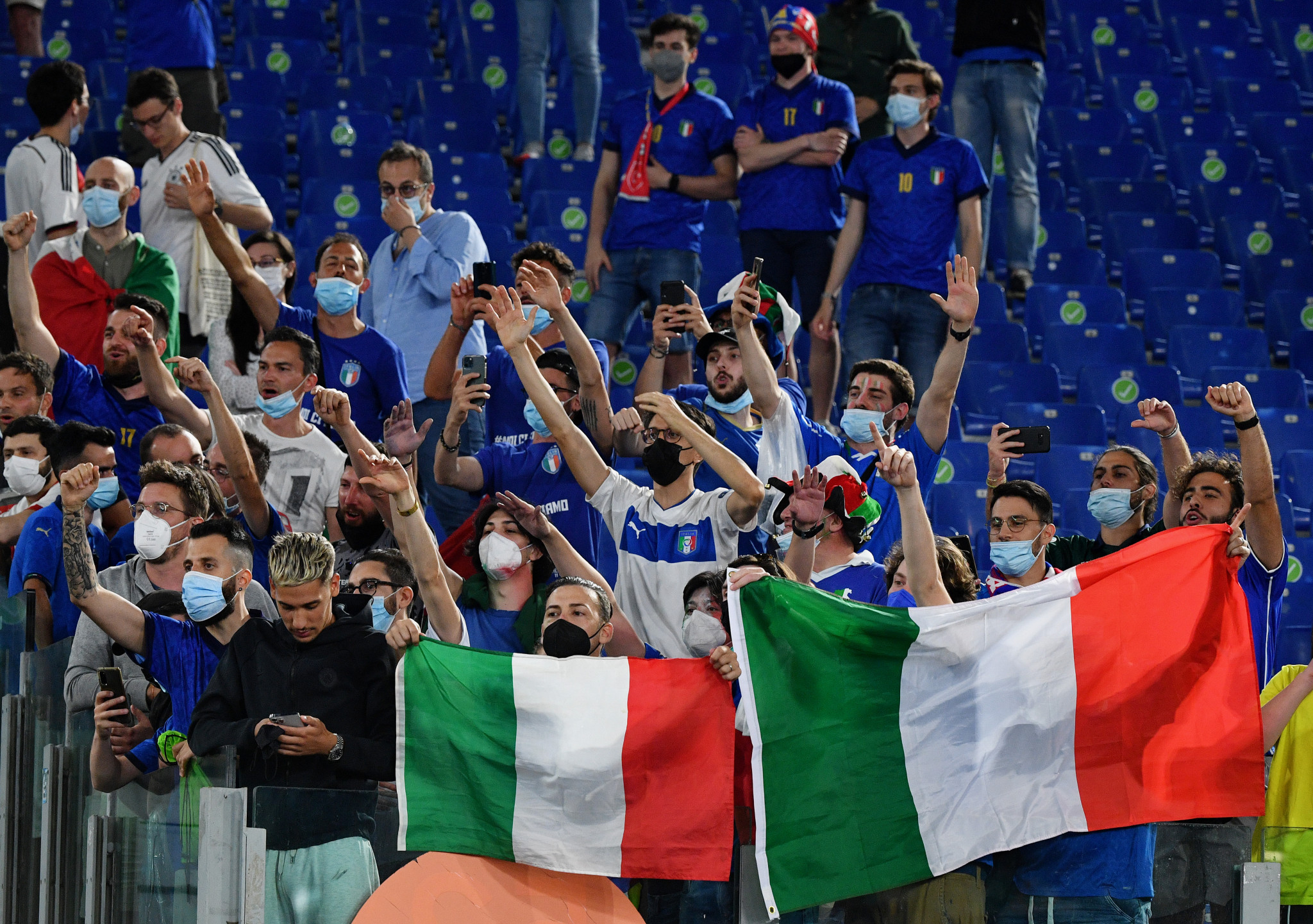 Italy fans celebrate their team winning the opening match of the delayed UEFA Euro 2020 ©Getty Images