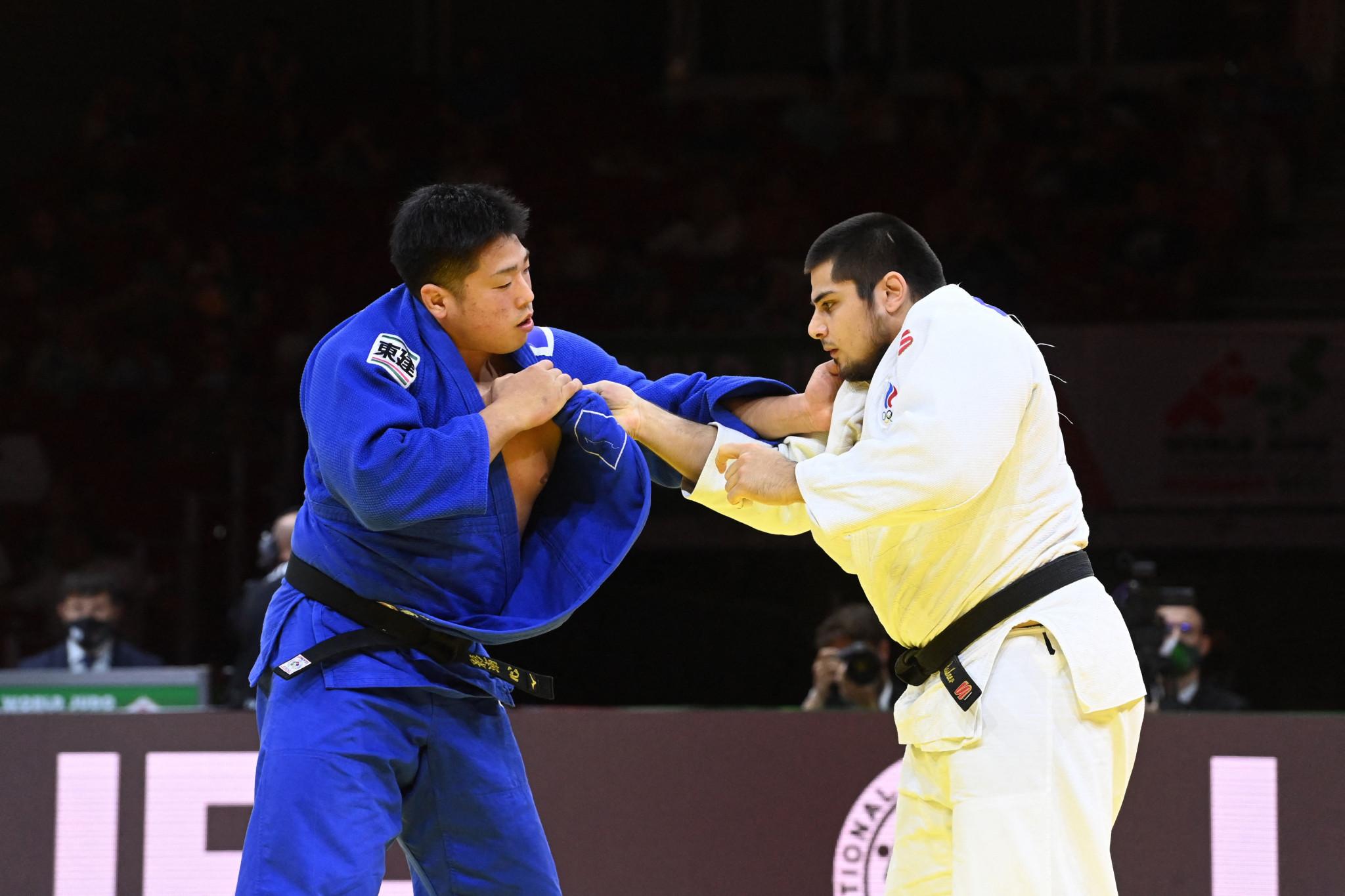 Kokoro Kageura, left, in action in the men's over-100kg final against Tamerlan Bashaev ©Getty Images