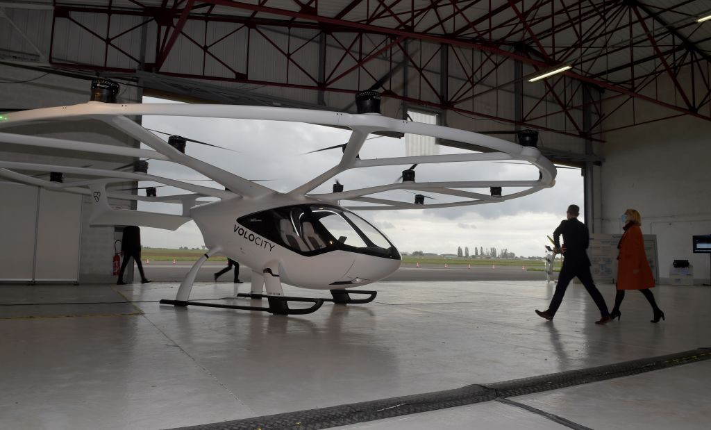 Proposed air taxi for Paris 2024 takes first test flight