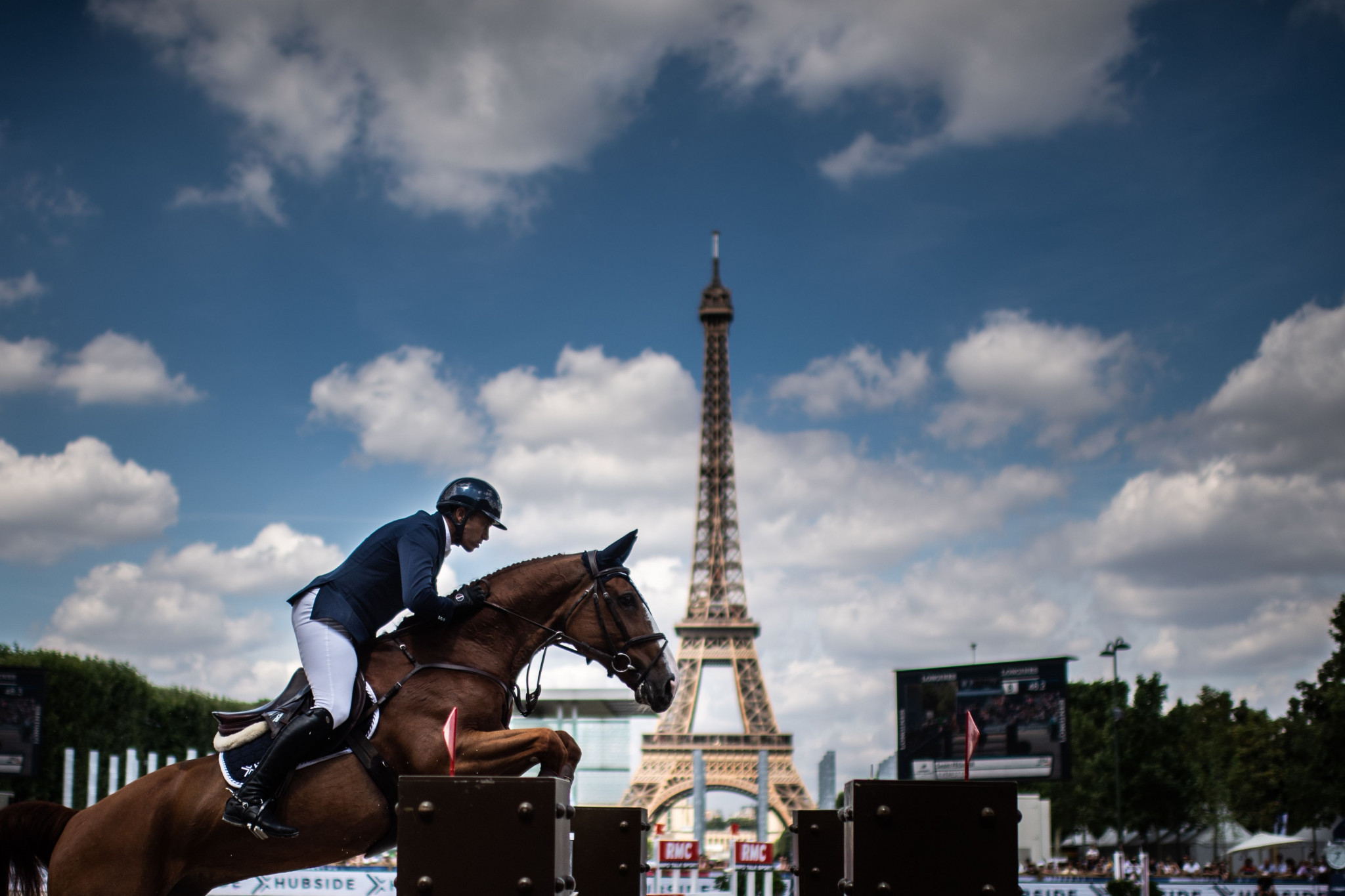 Levy claims hat-trick of wins on Global Champions Tour with jumping gold in Paris
