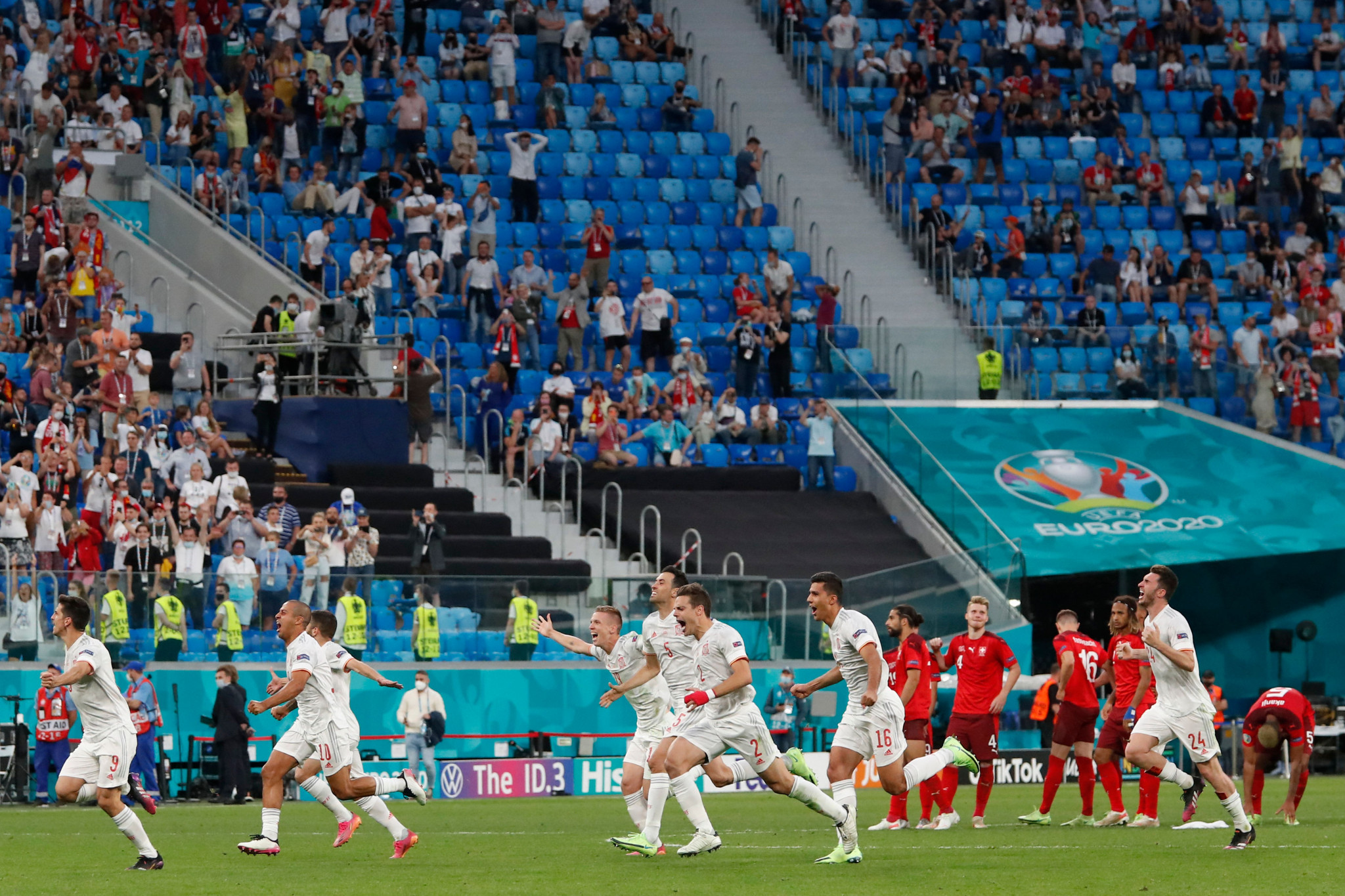 Spain survive shoot-out to set up semi-final versus Italy, who dump out Belgium