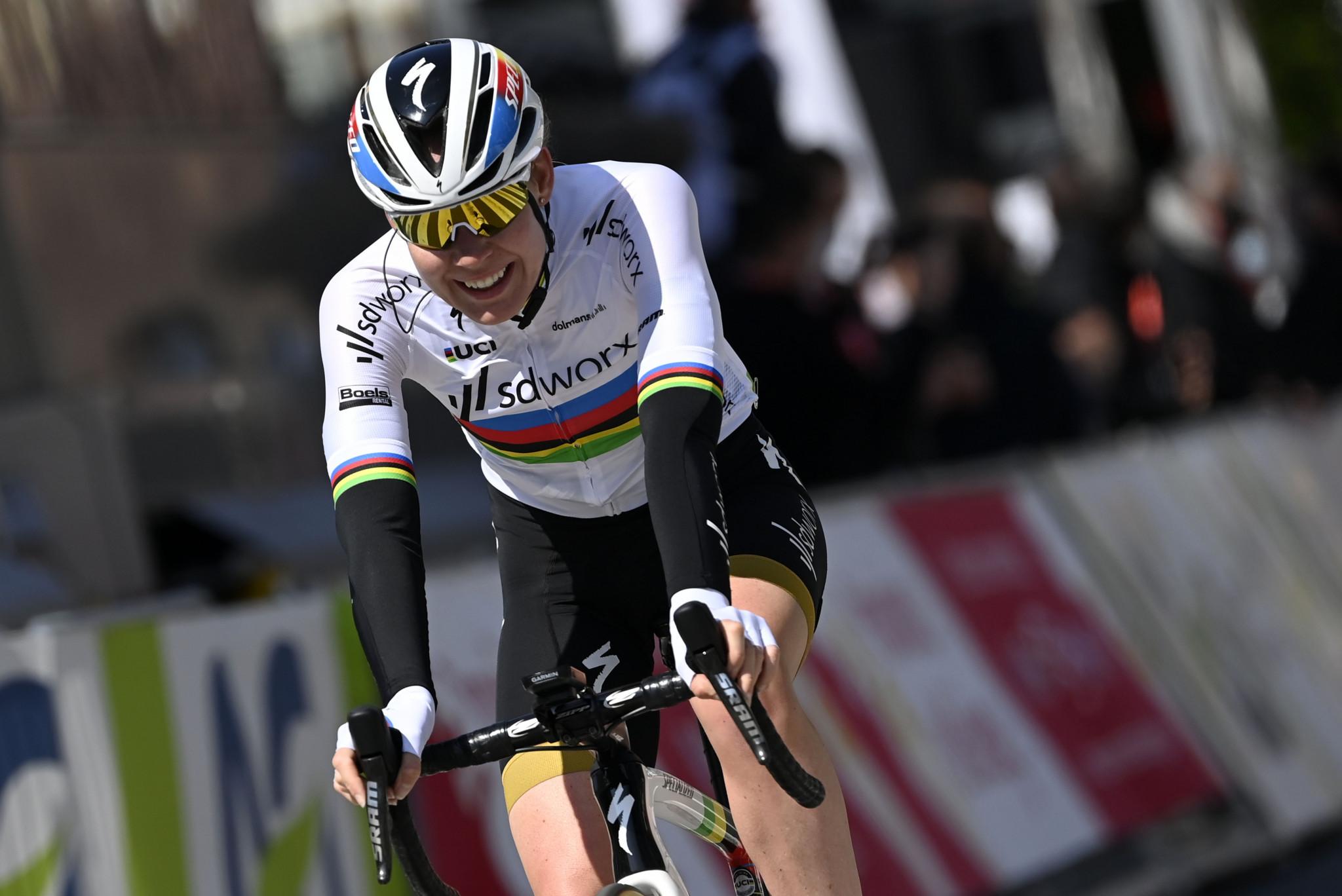 Van der Breggen wins second stage of Giro Donne to secure race lead