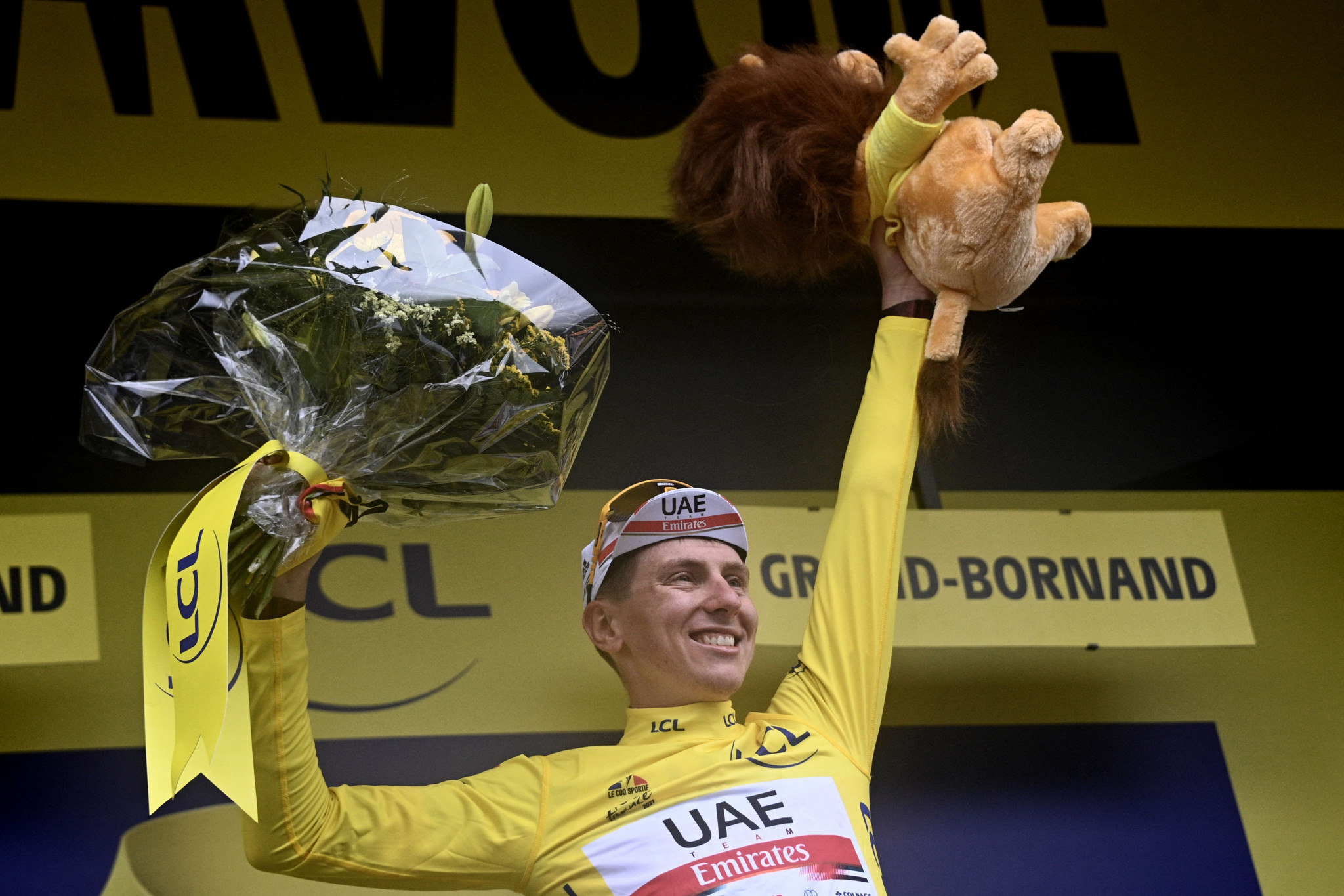 Pogačar takes control at Tour de France as Teuns wins stage eight