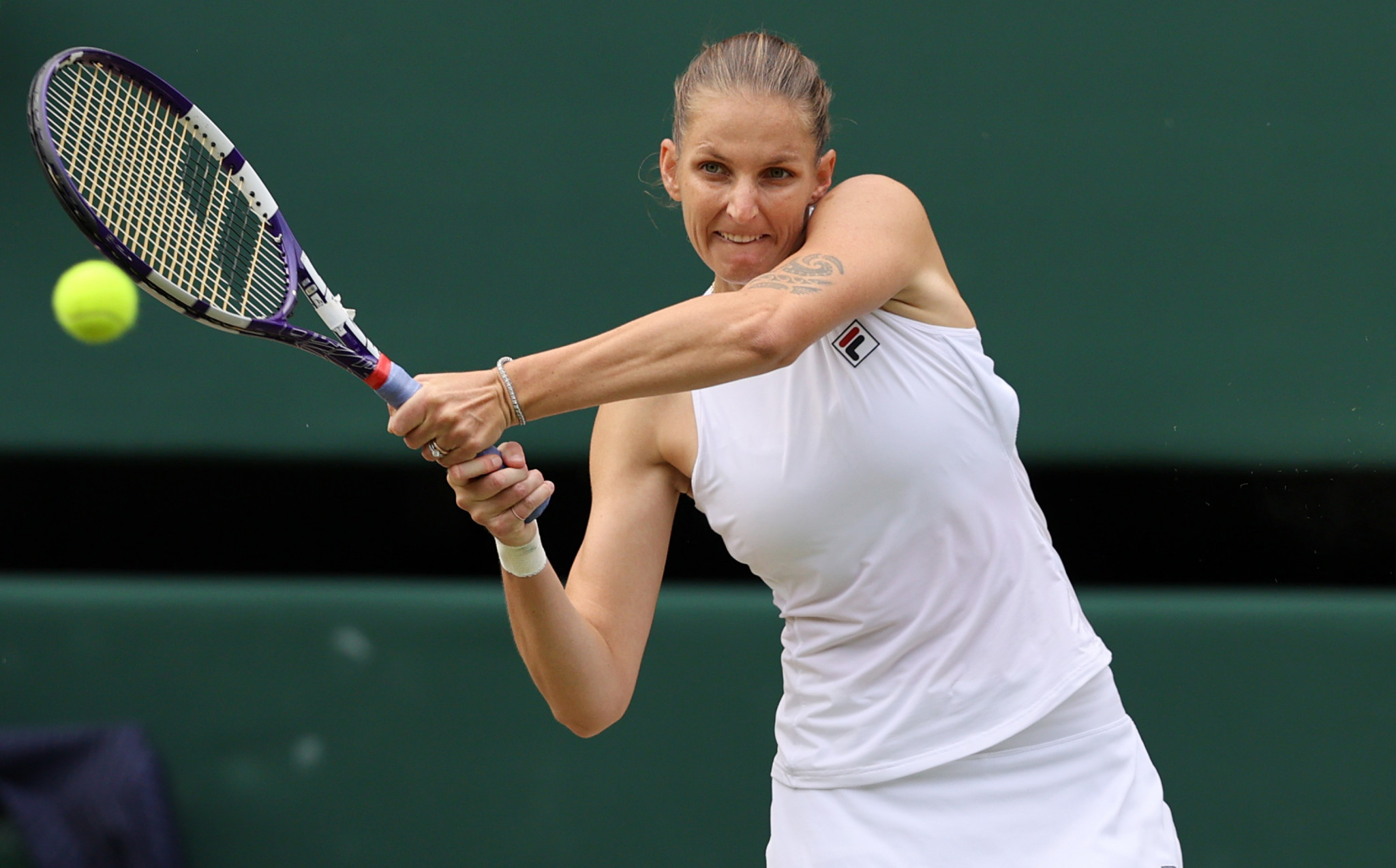 Pliskova defeats Sabalenka to set up Wimbledon women's singles final against top seed Barty