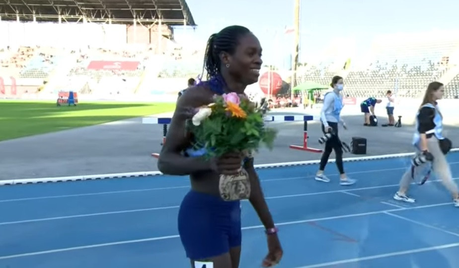 Christine Mboma posted the quickest time of the year in the women's 400m when she ran 48.54sec in Poland ©YouTube/World Athletics