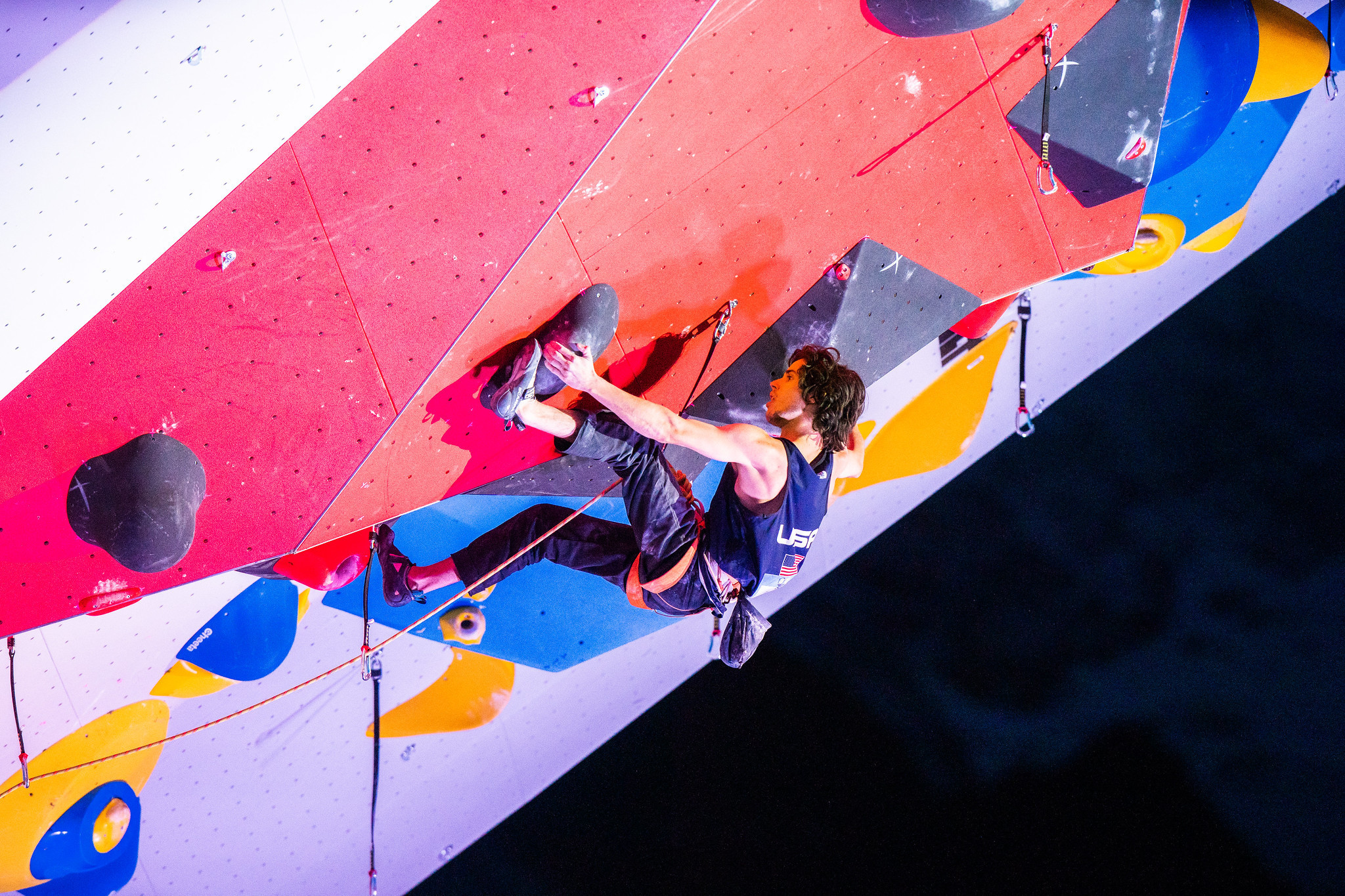 Rogora and Bailey take lead honours at Chamonix IFSC World Cup