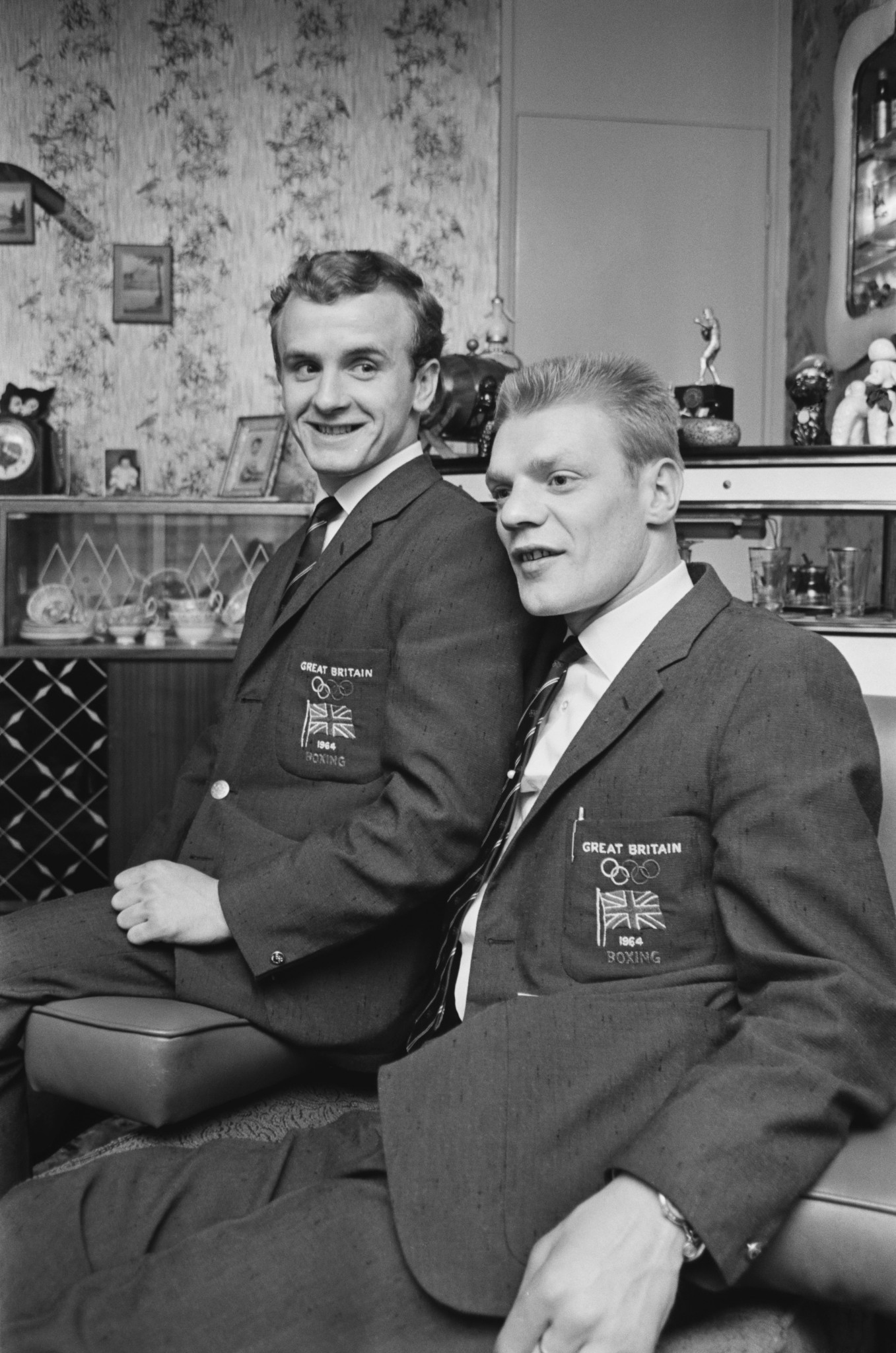 Dick McTaggart, right, with fellow Scottish boxer John McCluskey following the 1964 Olympics in Tokyo  ©Getty Images