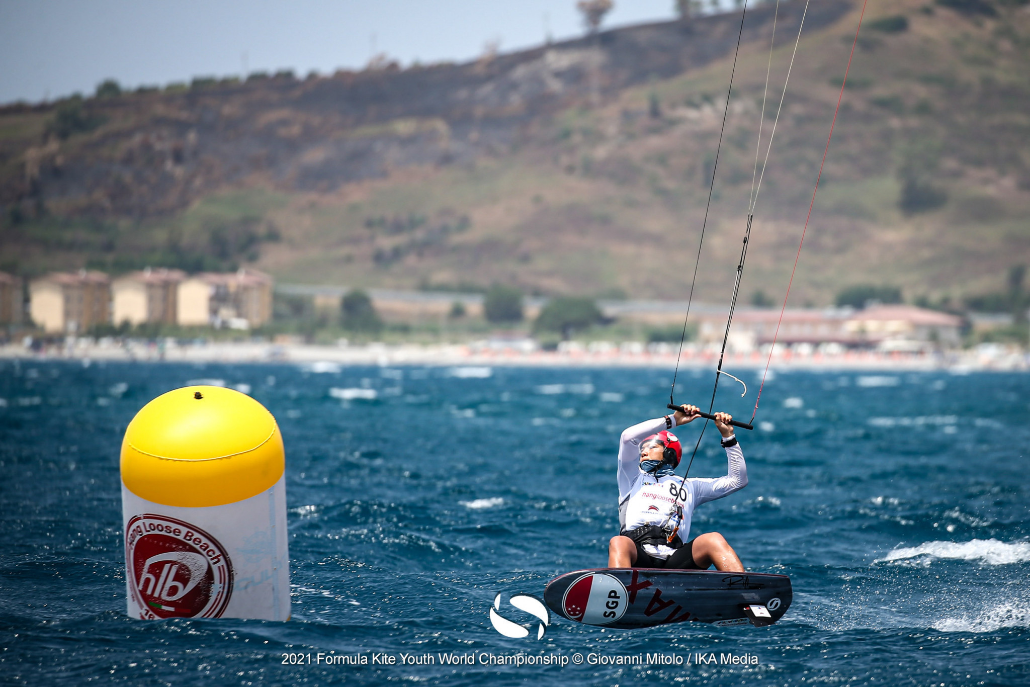 Leaders Damasiewicz and Maeder sail on at Formula Kite Under-19 World Championships