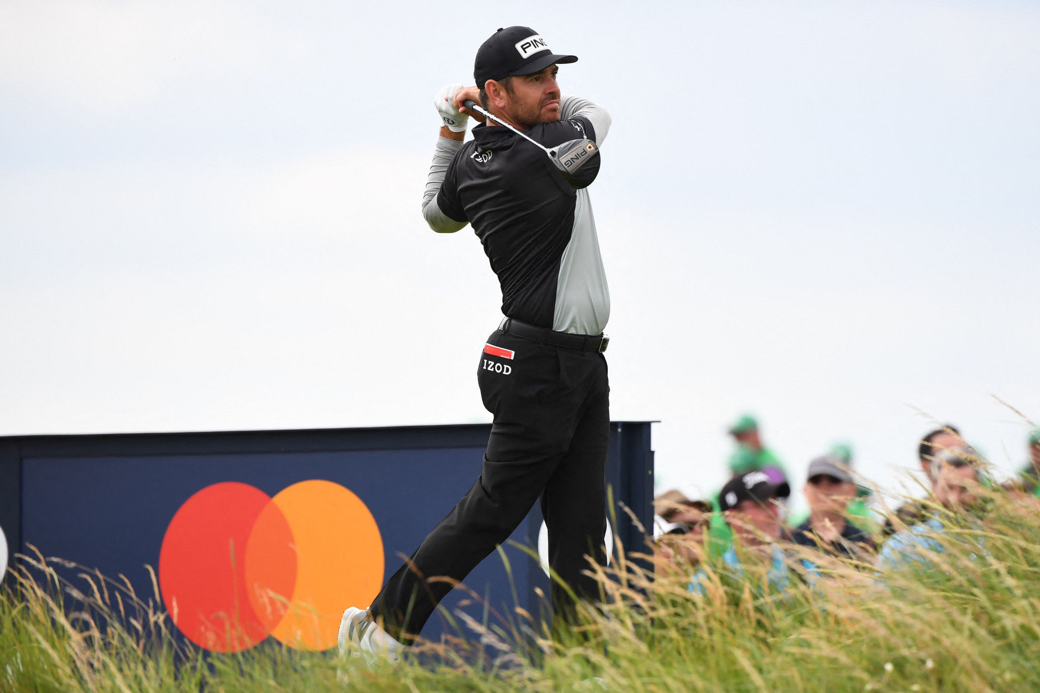 Bogey-free Oosthuizen takes one-shot Open lead