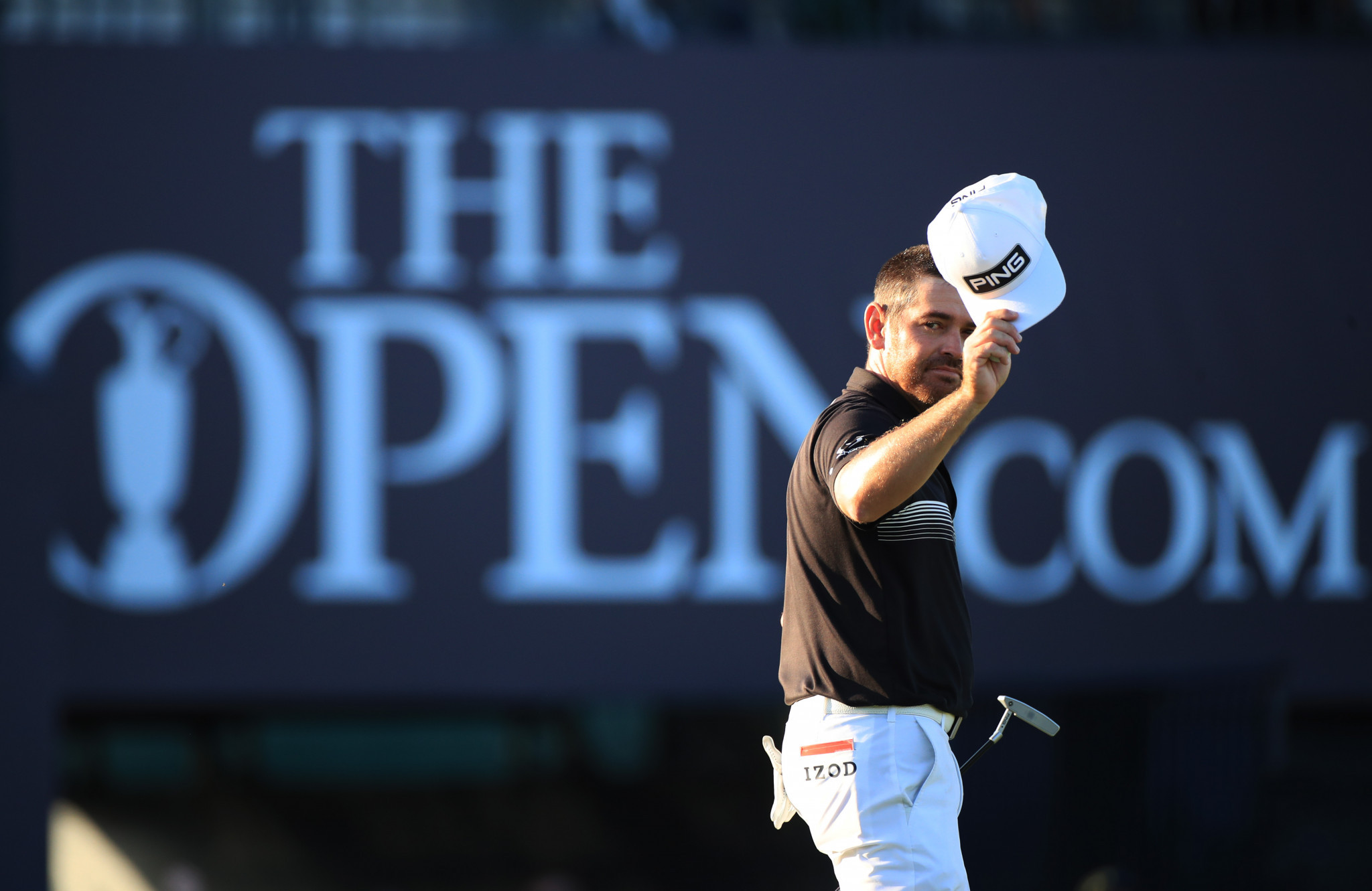 Record-breaking Oosthuizen extends Open lead as Morikawa makes move