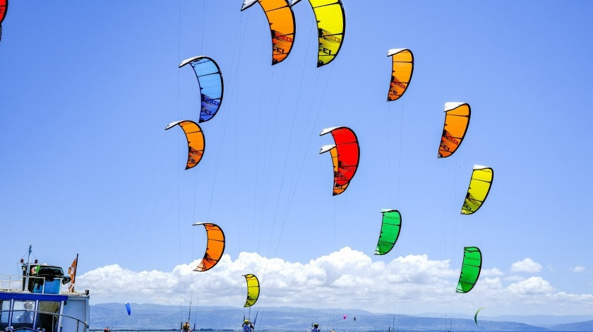 Maeder and Damasiewicz progress perfectly to medal round at Formula Kite Under-19 World Championships