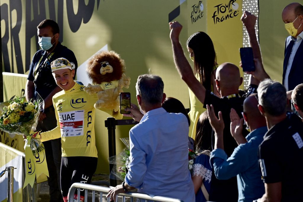 Cavendish just misses record 35th stage win as Pogačar retains Tour de France title