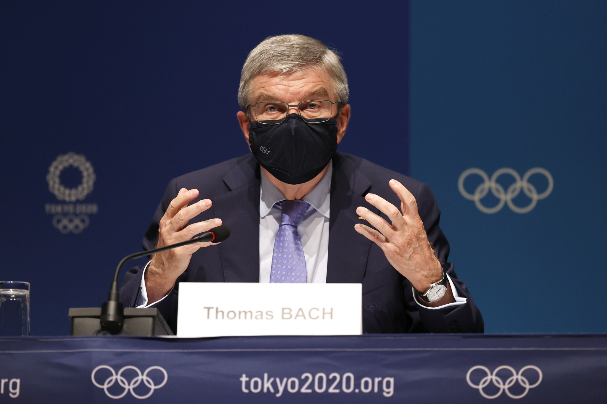 Thomas Bach invites athletes to sign Truce Wall in Olympic Village at Tokyo 2020