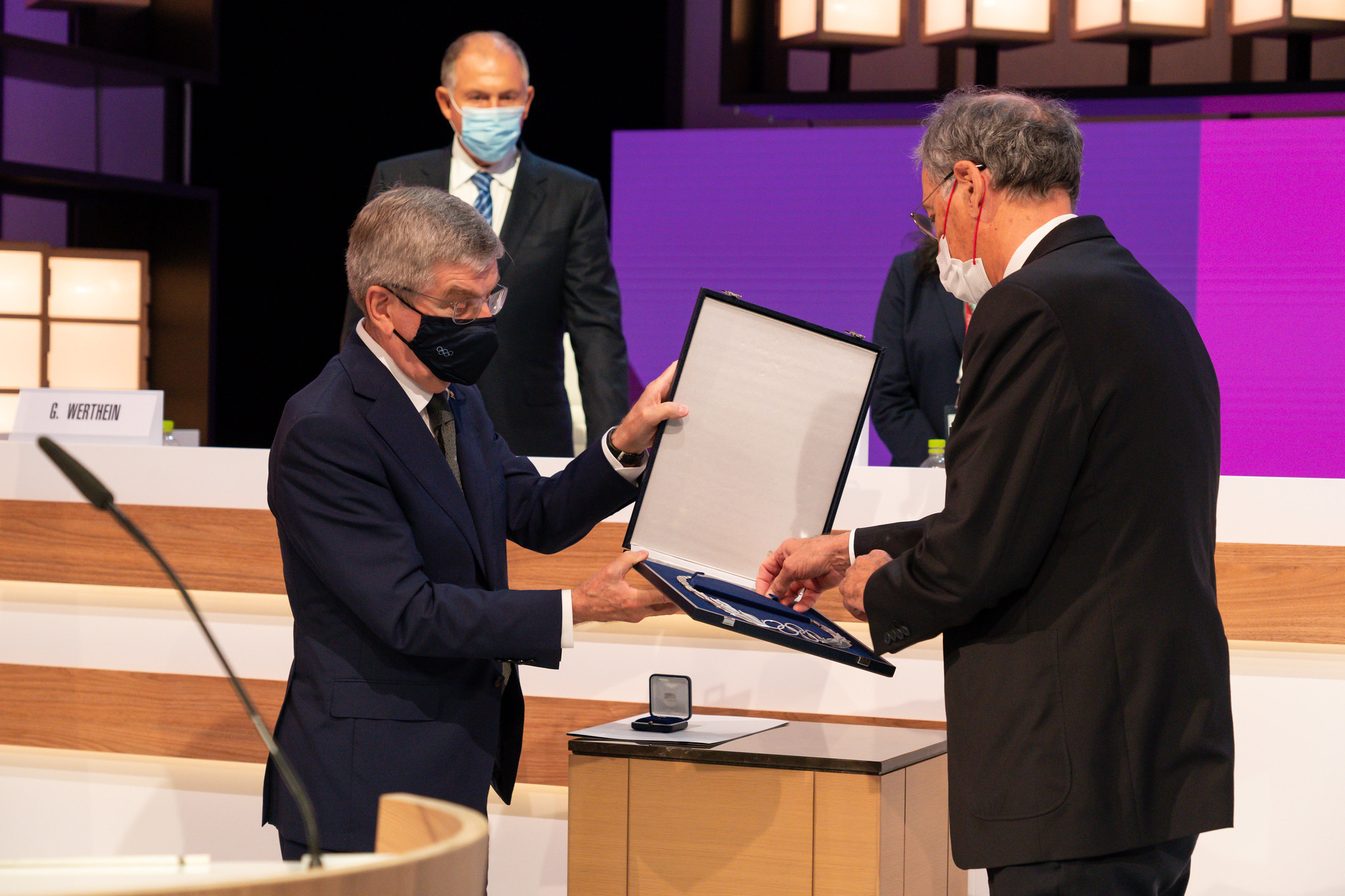Denis Masseglia, right, received the Olympic Order from IOC President Thomas Bach ©IOC