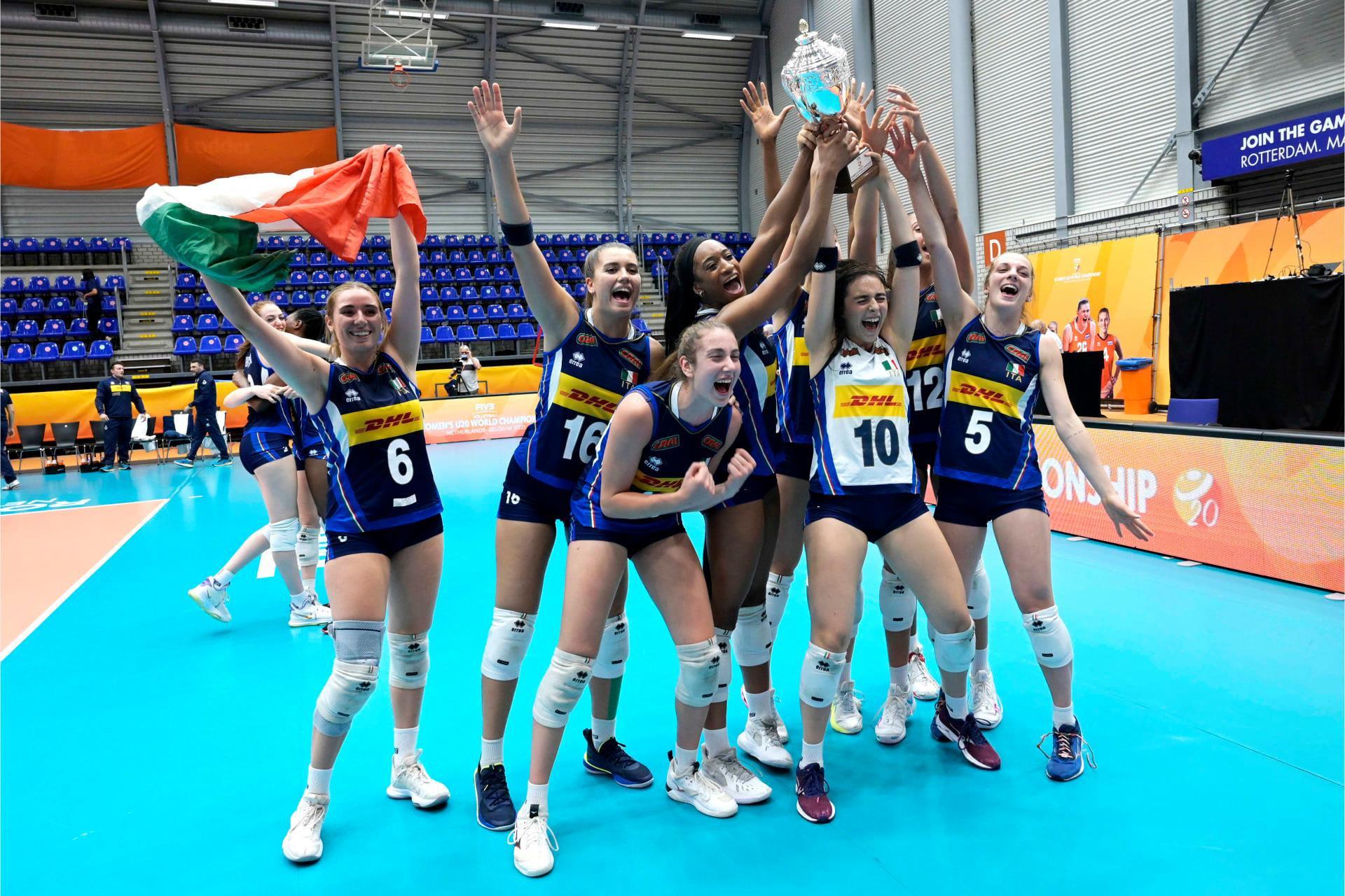 L'Italia vince i Campionati del Mondo FIVP Under 20 Femminili a Rotterdam all'inizio di questo mese © Facebook / Federacin Italiana Pallavolo