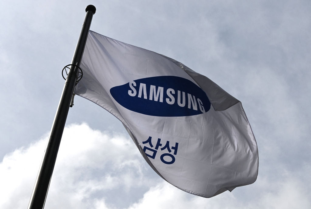"""Samsung to stick with Olympic-themed adverts in Japan but will maintain """"low-key profile"""""""