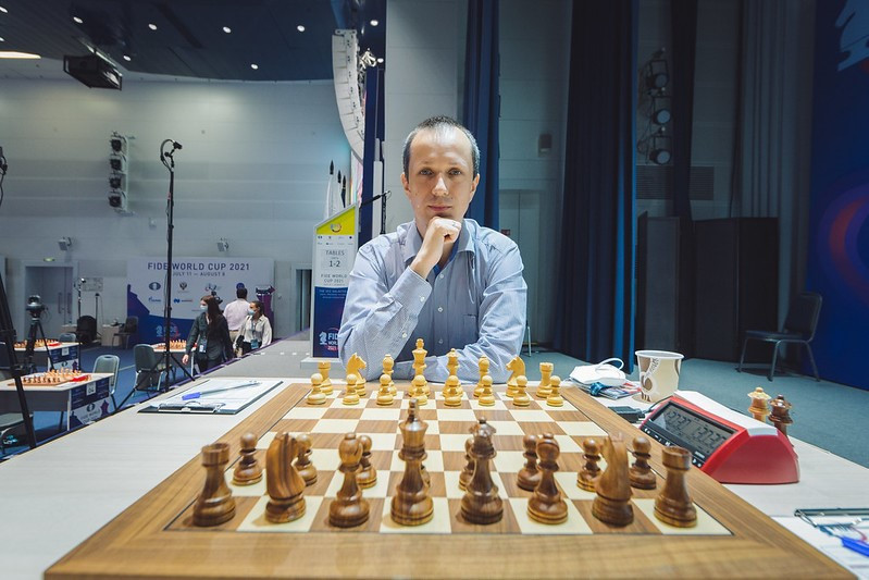 Carlsen held to draw in first game with Wojtaszek at Chess World Cup