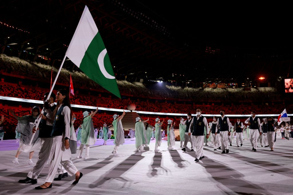 Pakistan's two flagbearers, pistol shooter Khalil Akhtar and badminton player Mahoor Shahzad were also spotted without masks during the Tokyo 2020 Opening Ceremony ©Getty Images