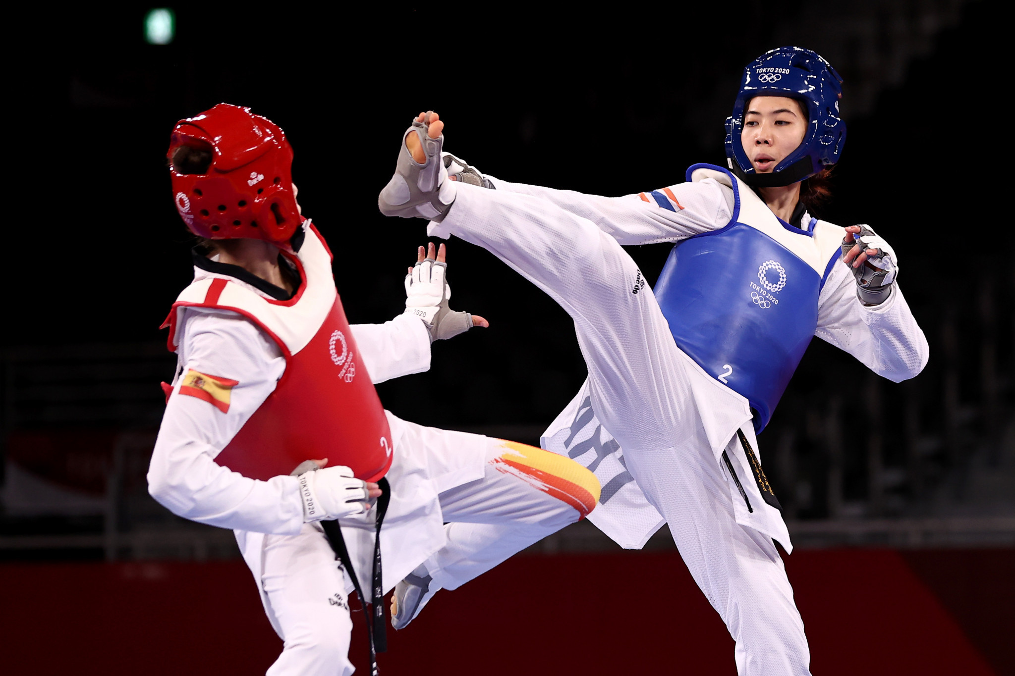Panipak Wongpattanakit of Thailand competes against Adriana Cerezo Iglesias of Spain in the women's under-49-kilogram gold medal bout ©Getty Images