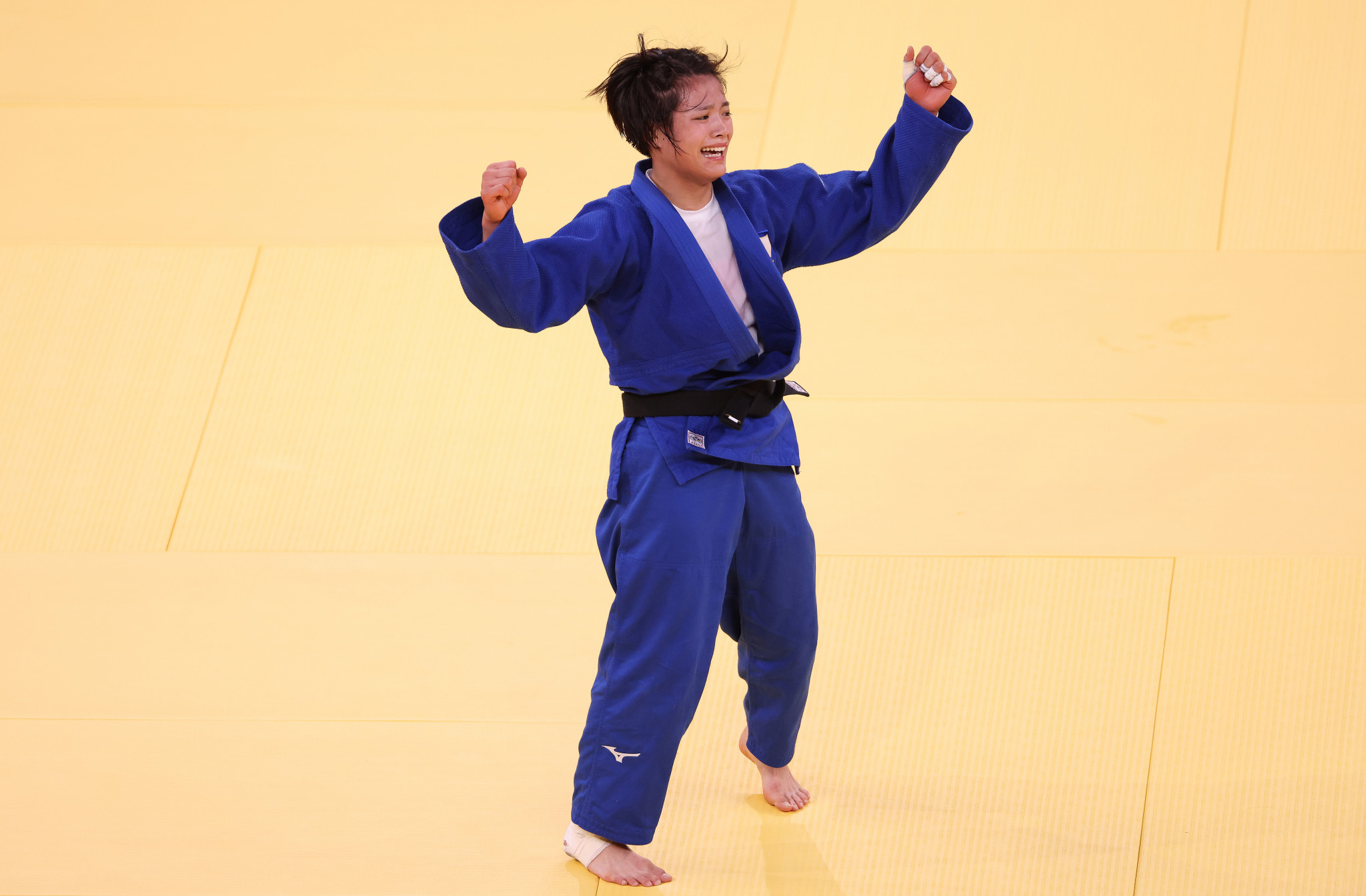 Uta Abe came out on top against  Amandine Buchard in the women's under-52kg final ©Getty Images