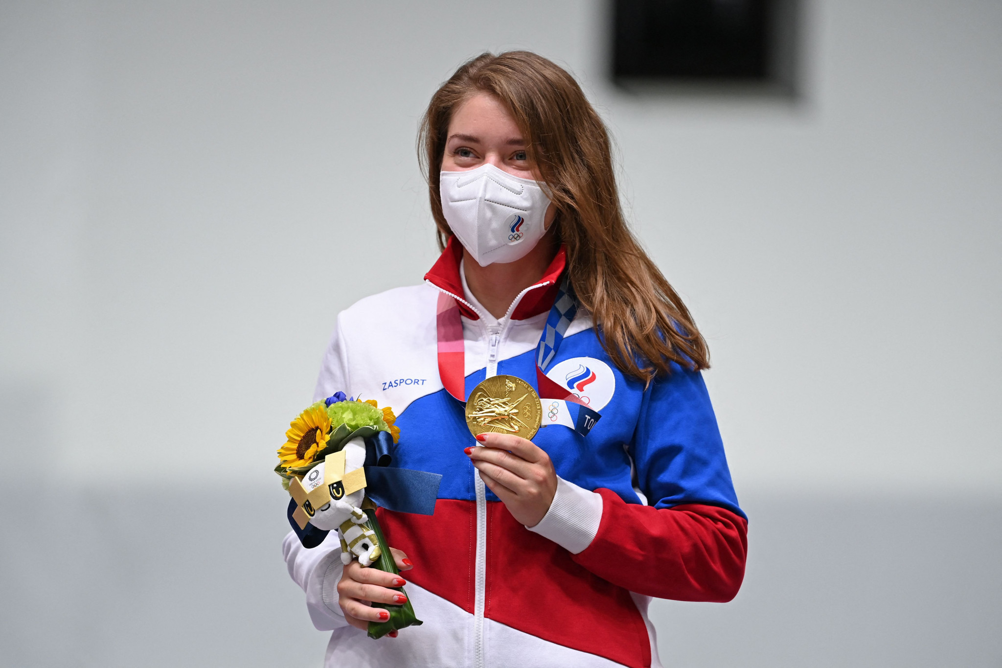 Vitalina Batsarashkina carved herself a small piece of history as the first gold medallist at Tokyo 2020 for ROC ©Getty Images