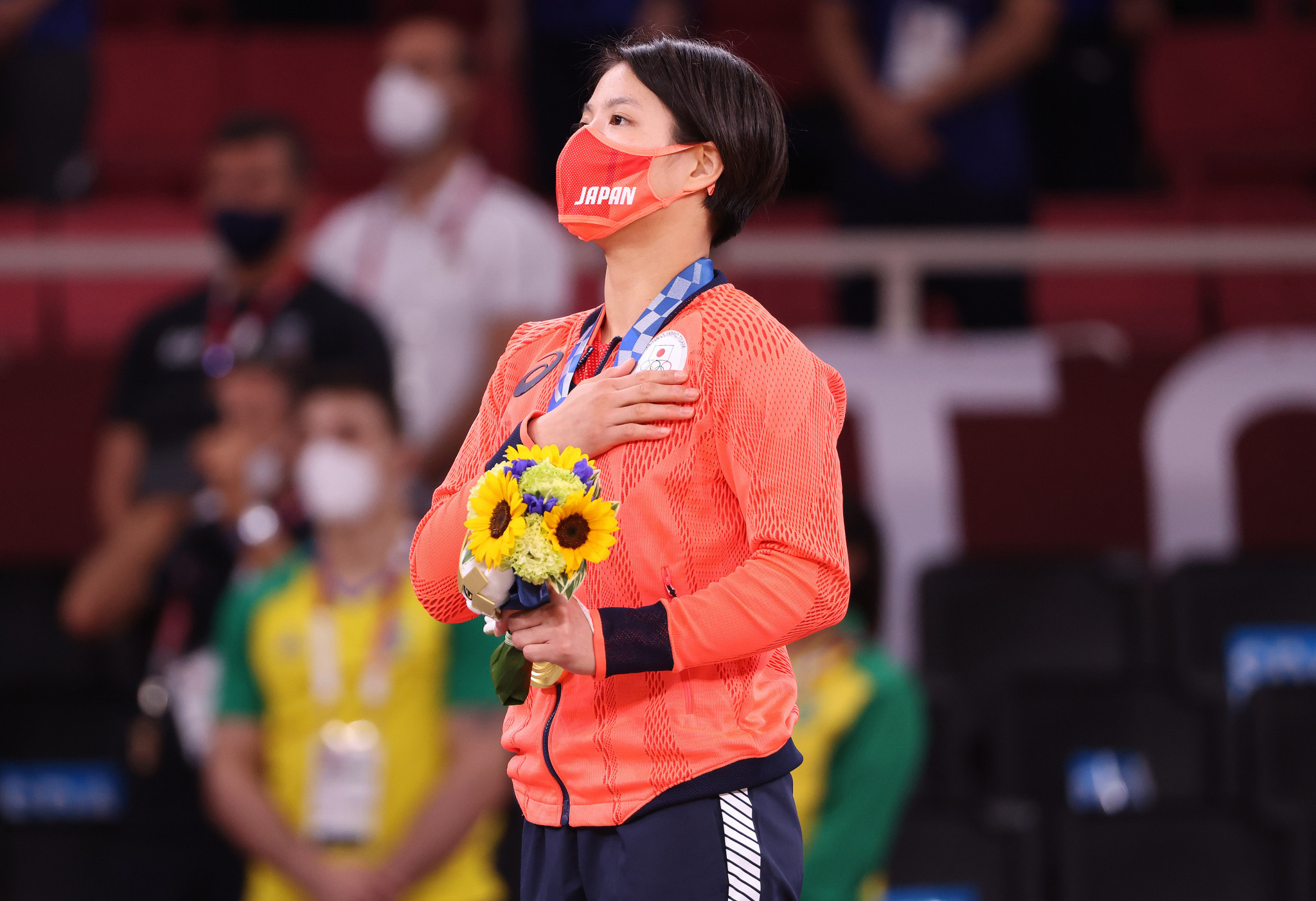 It capped a phenomenal night for the family as sister Uta Abe had already claimed the women's under-52kg gold ©Getty Images