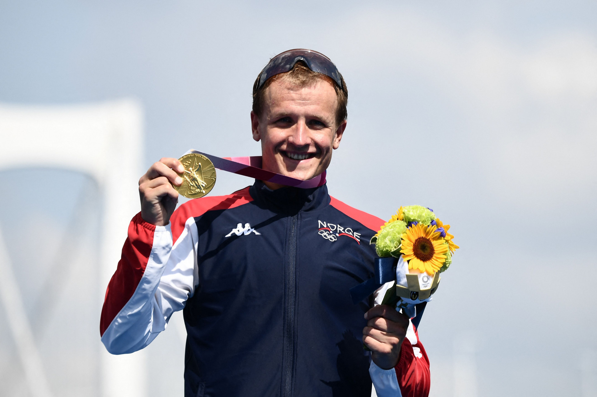 Triathlon Olympic gold medallist Kristian Blummenfelt pays tribute to Norway's heat operation