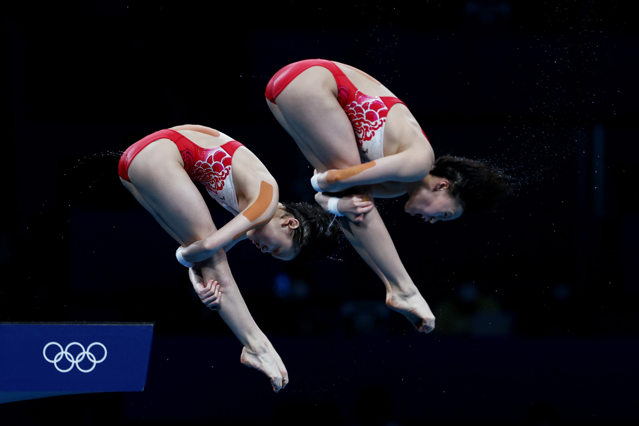 Teenagers Chen Yuxi and Zhang Jiaqi maintained China's record of winning the women's 10m synchronised platform gold medal each time the event has been contested at the Olympics ©Getty Images