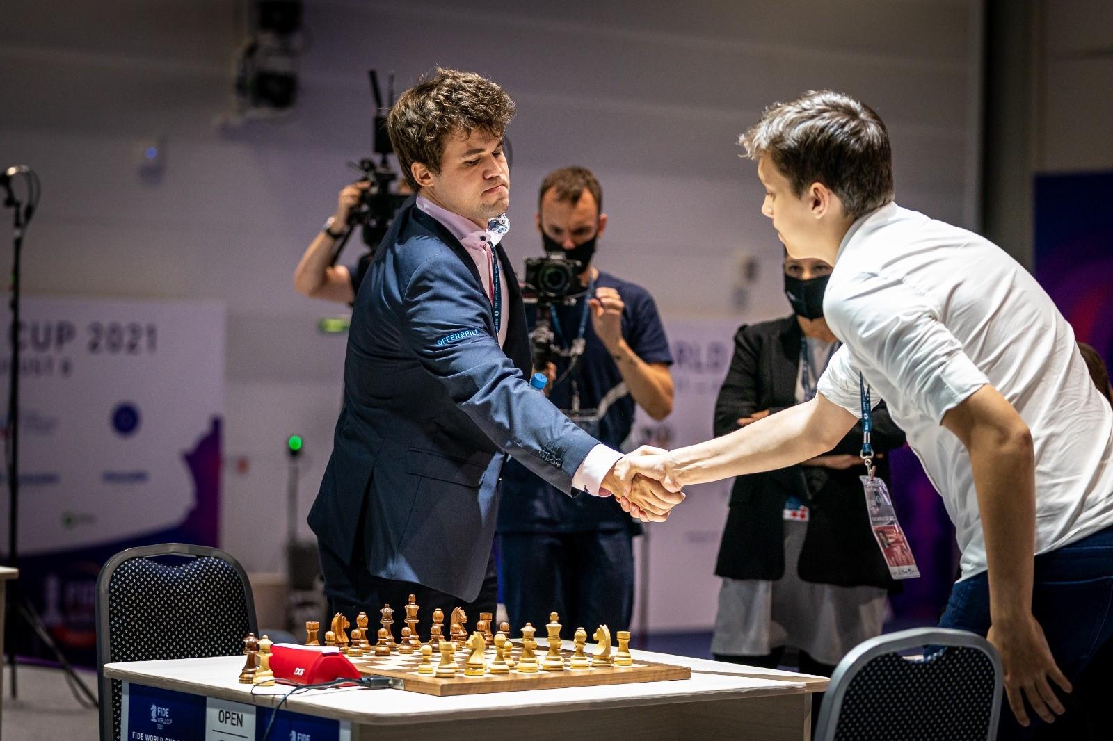 Carlsen taken to third tiebreak but overcomes Esipenko to reach Chess World Cup quarter-finals