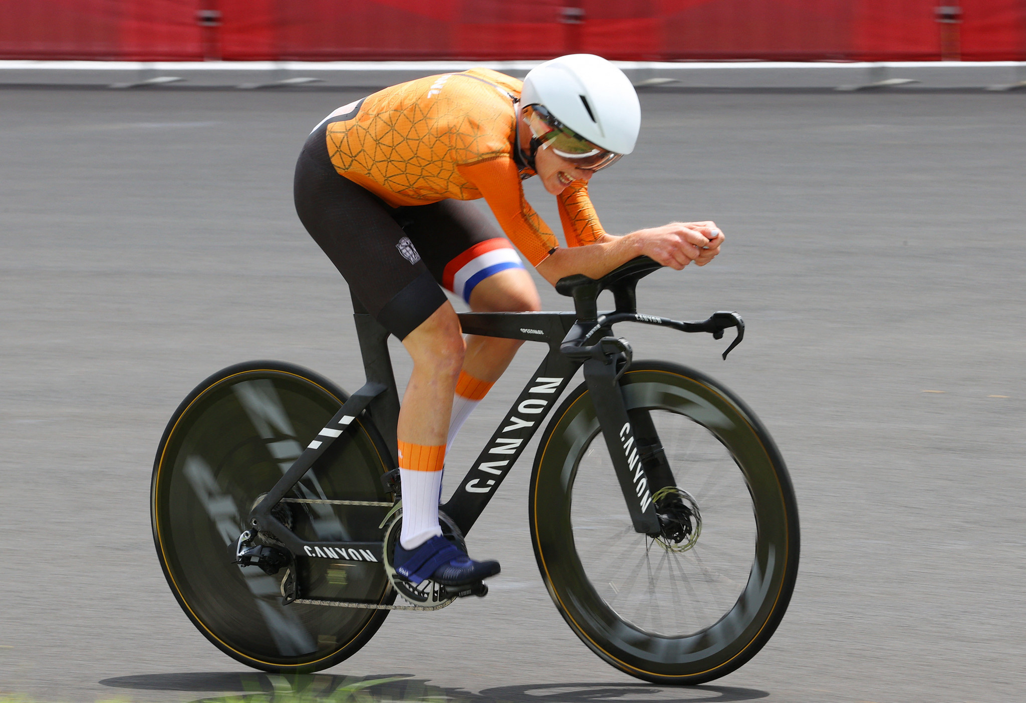 Van Vleuten wins women's individual time trial gold at Tokyo 2020 after dominant display