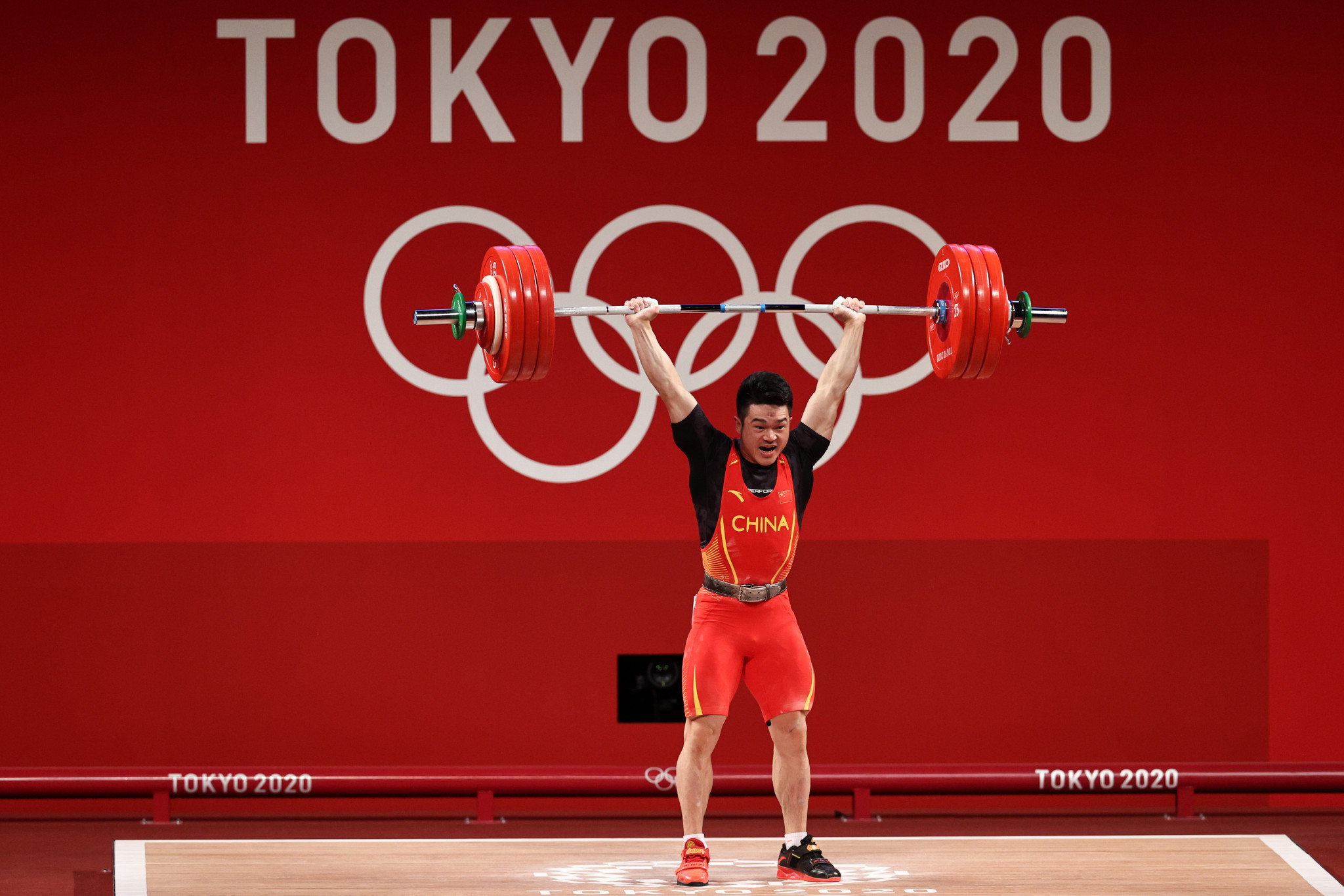 Shi Zhiyong wins weightlifting gold with world record - and bronze for B Group Indonesian
