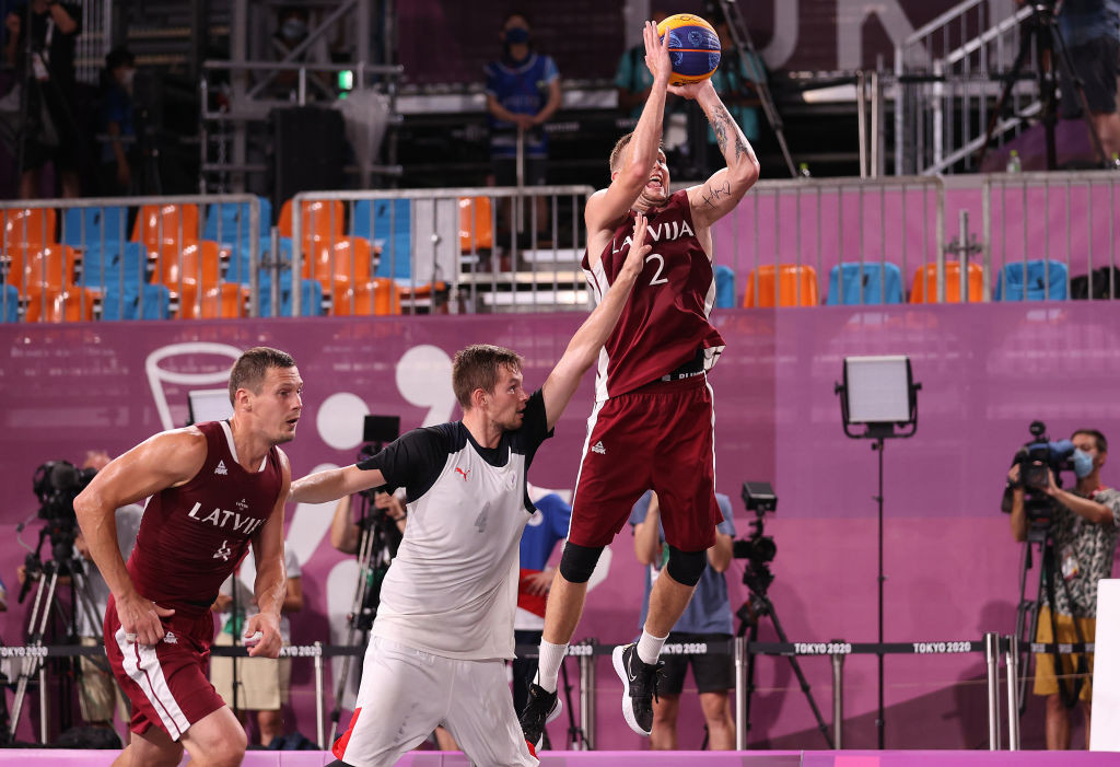 Karlis Lasmanis scored the winning points as Latvia edged out the ROC in a thrilling men's final ©Getty Images