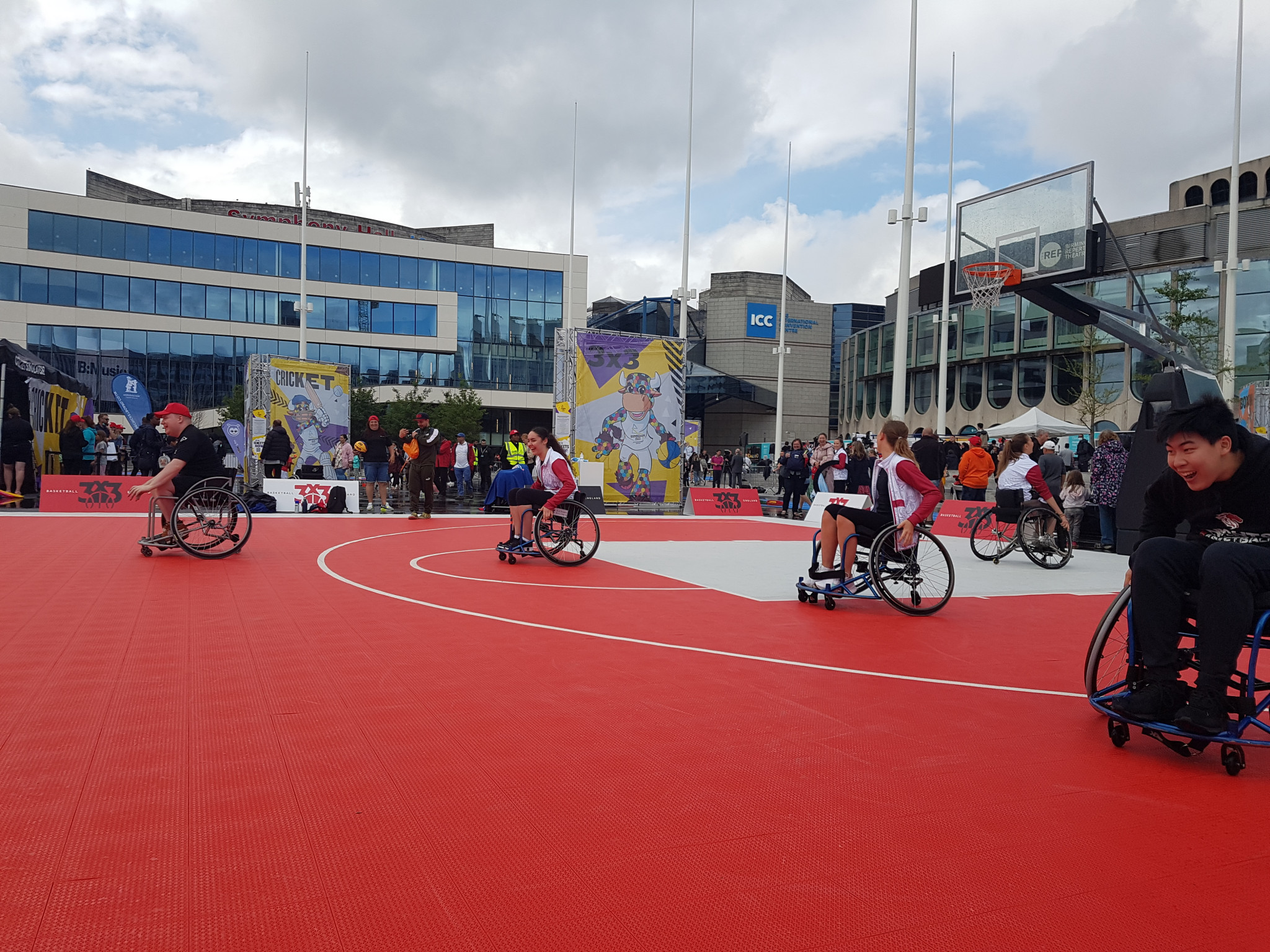 Wheelchair basketball was played by able-bodied and disabled members of the public during the festival ©ITG