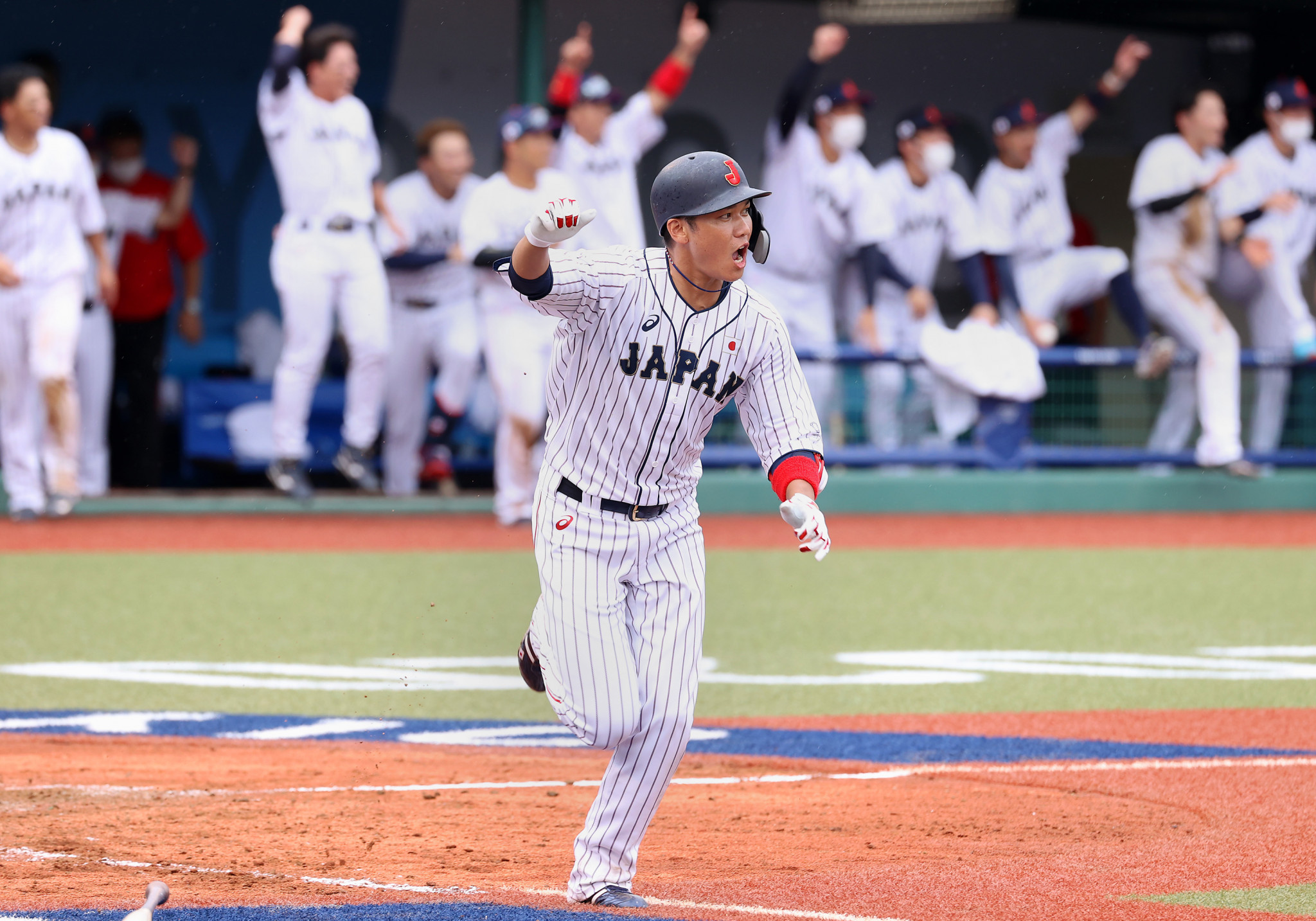 The first Olympic baseball game in 13 years was an instant classic, as Japan scored three runs in the bottom of the ninth inning to beat the Dominican Republic, with Hayato Sakamoto driving home the winning run ©Getty Images